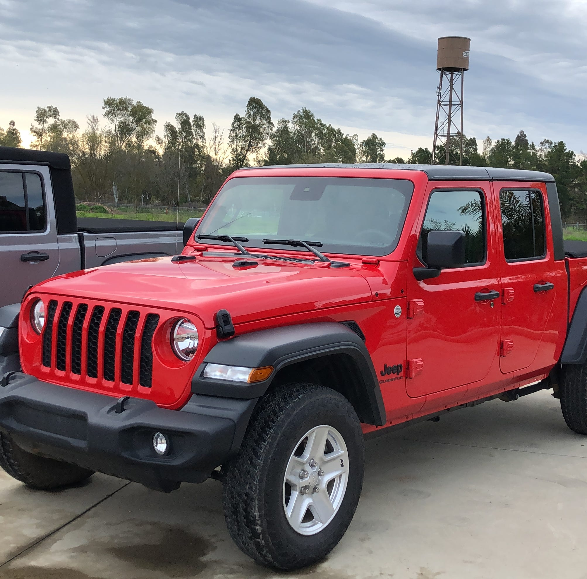 Why the 2020 Jeep Gladiator isn't 'the Wrangler pickup'