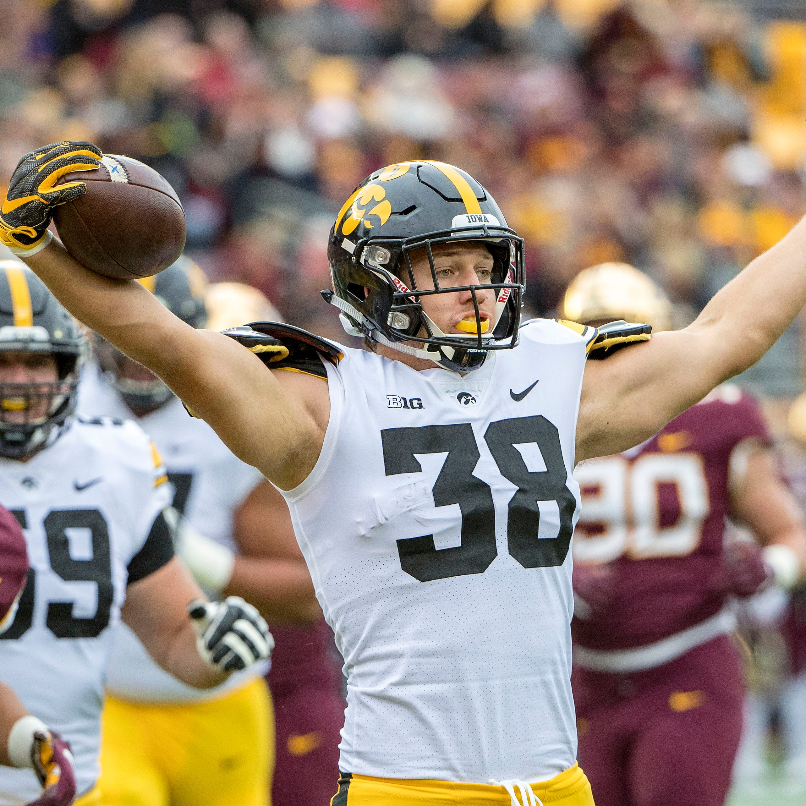 Iowa TE T.J. Hockenson has hometown — and several teams — excited for NFL draft