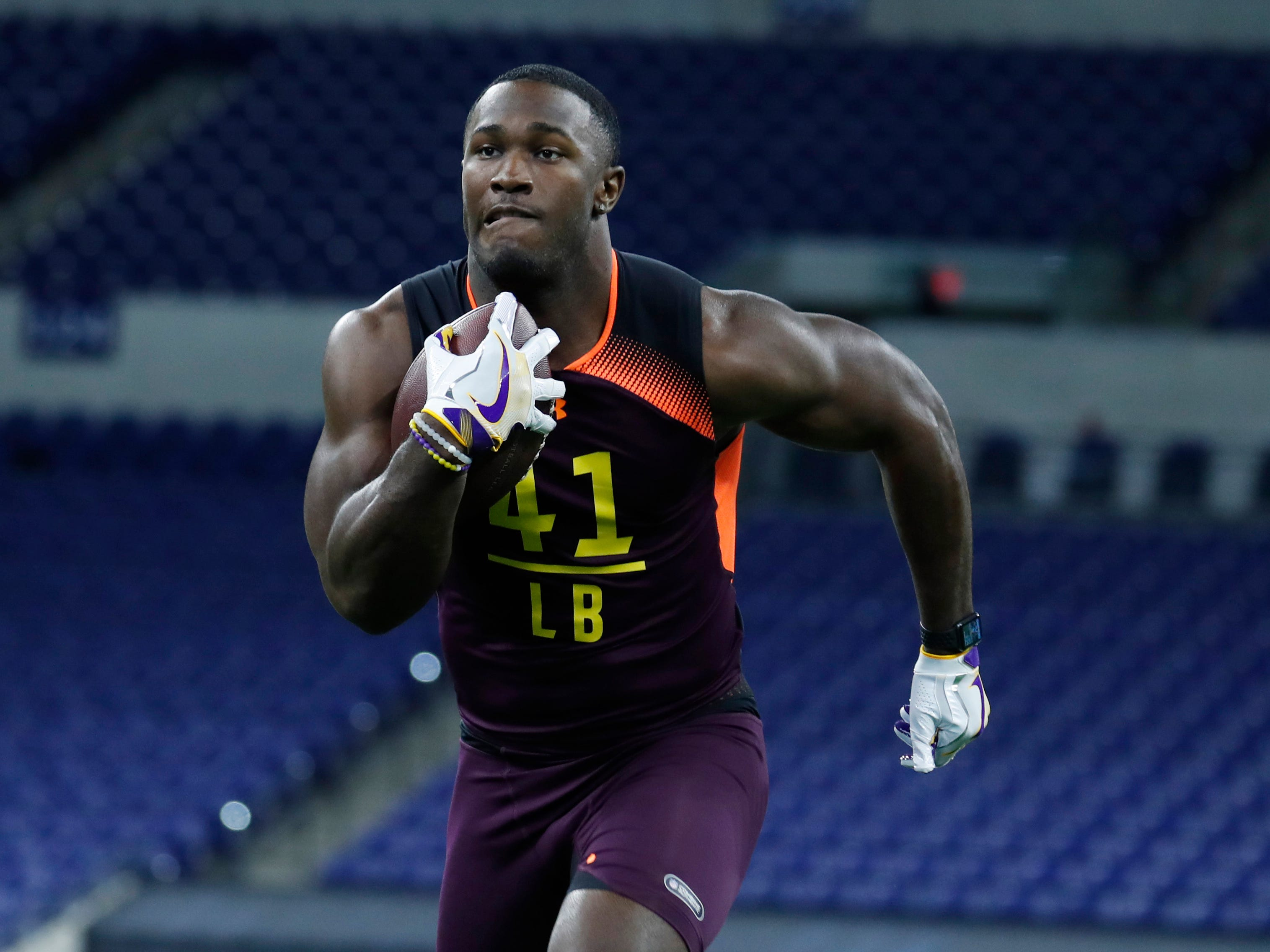 LSU Tigers linebacker Devin White goes through drills during the NFL combine at Lucas Oil Stadium, March 3, 2019 in Indianapolis.