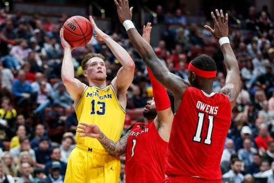 Michigan's Ignas Brazdeikis makes a jump shot against Texas Tech during the Sweet 16, March 28, 2019.