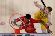 Michigan forward Ignas Brazdeikis finished with 17 points and 13 rebounds.