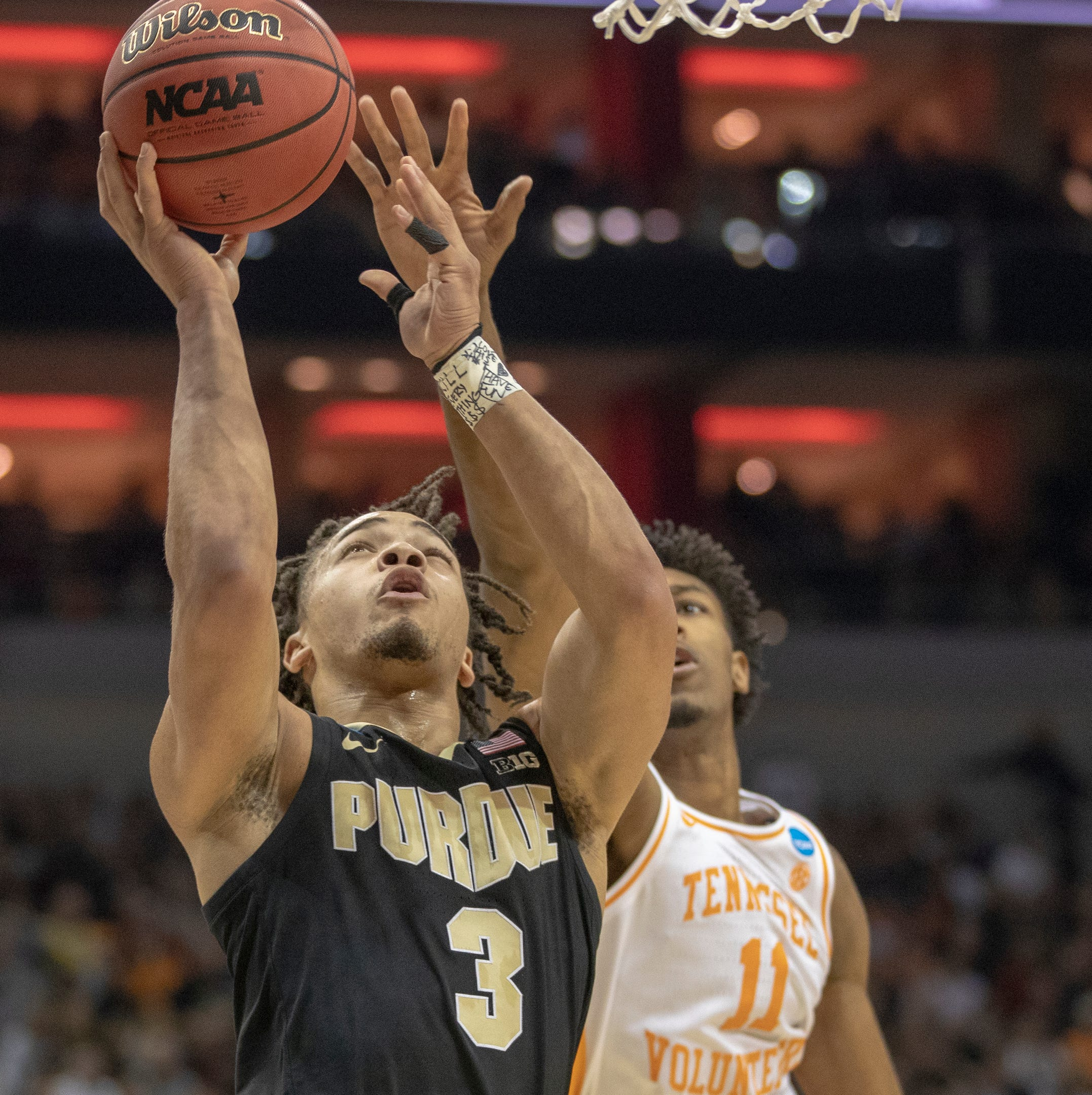 Purdue beat Tennessee in a game for the ages to go to Elite Eight. Twitter is going nuts.