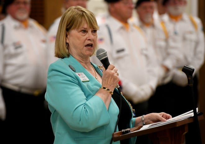 Jackson-Madison Chapter National Society Daughters of the American Revolution Honorary Regent Jackie Utley welcomes guest to the 2019 commemoration of the 50th anniversary of the Vietnam War, Friday, March 29.