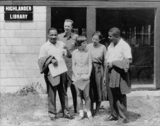 Martin Luther King, Pete Seeger, Charis Horton, Rosa Parks, and Ralph Abernathy at the Highlander Folk School in 1957 in Monteagle. Photo from the Highlander Center. 10/25/05