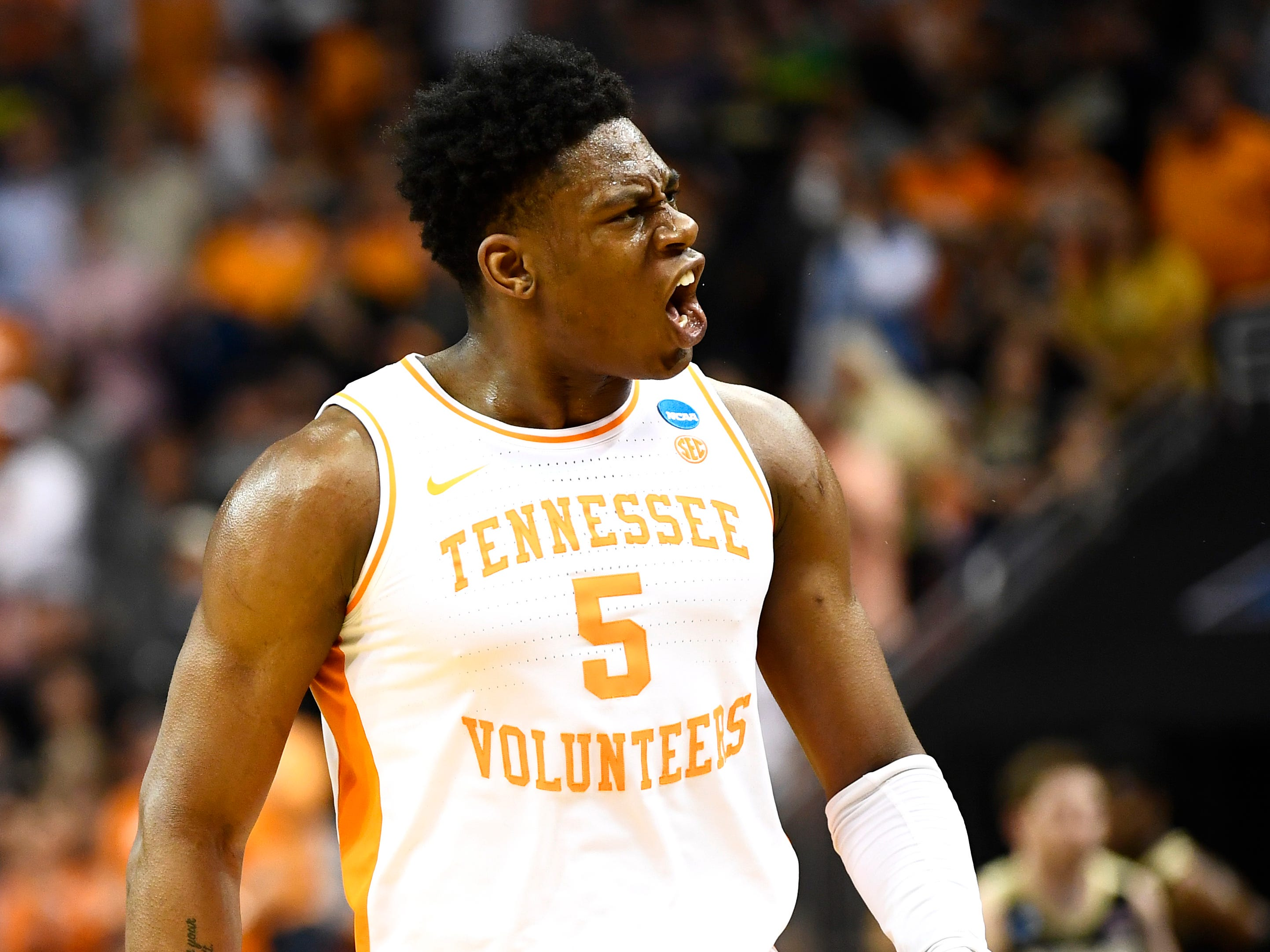 Tennessee guard Admiral Schofield (5) reacts during the team's run against the Purdue Boilermakers in the NCAA Tournament Thursday, March 28, 2019, at the KFC Yum! Center in Louisville, Ky.