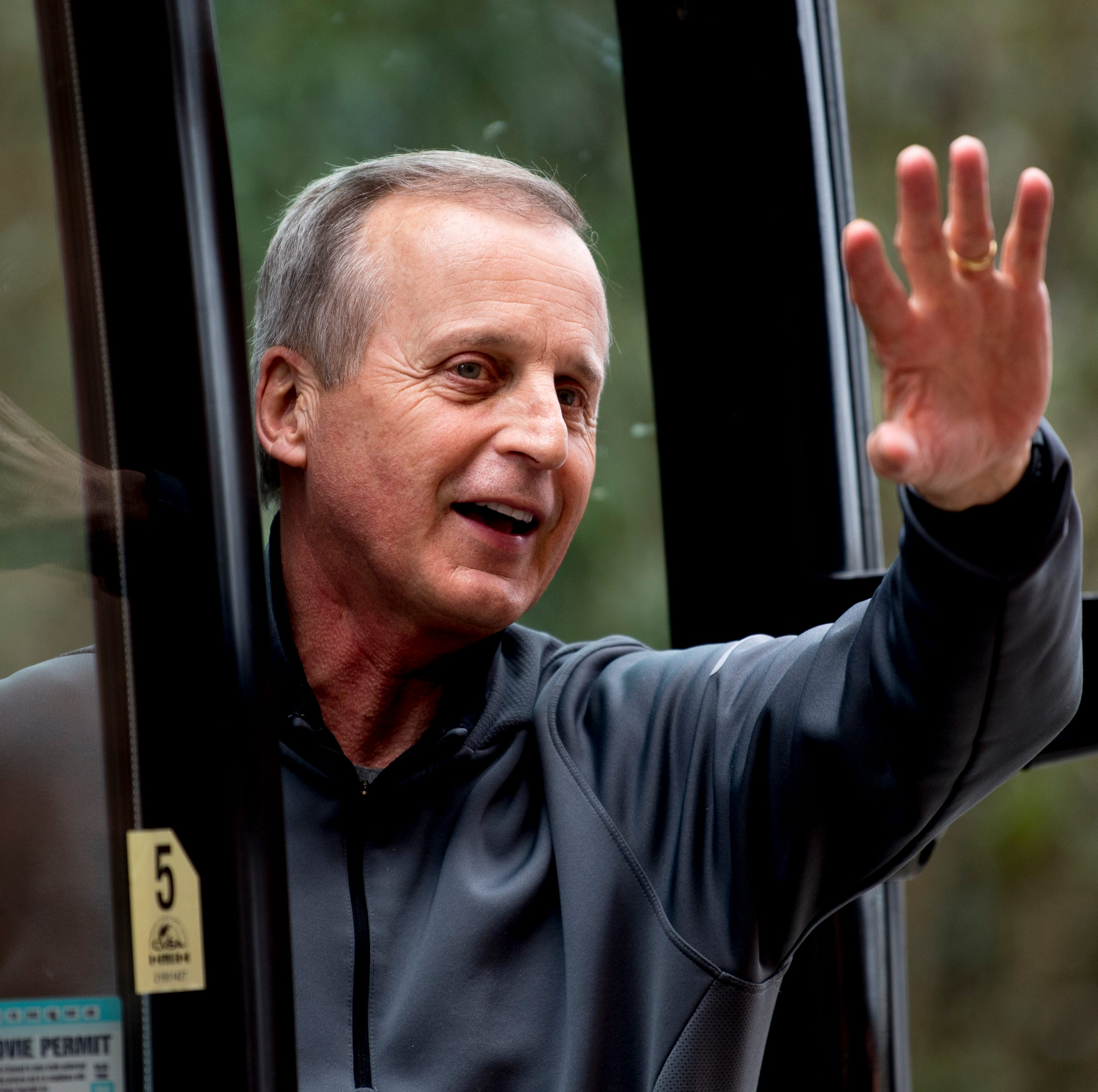 Rick Barnes staying with Tennessee basketball after UCLA flirtation
