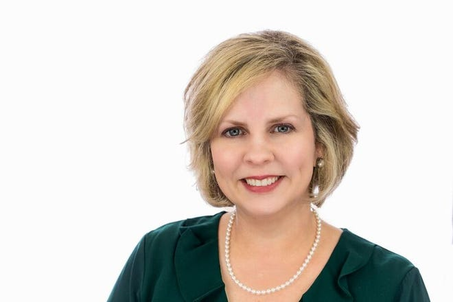 """Heidi Melancon with the Louisiana Small Business Development Center at the University of Louisiana at Lafayettehas been named theRichard Baudoin Jr. """"Friend of Business"""" award winner for the Junior Achievement of Acadiana's annual Business Hall of Fame."""