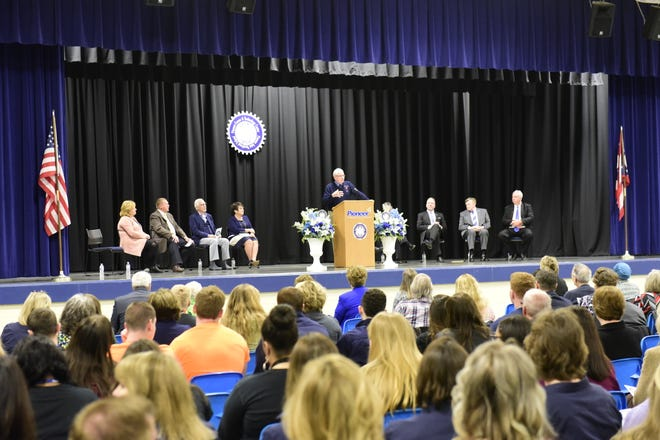 Dick Jones, a former superintendent of Pioneer from 1989 to 1997, speaks to audience of students and alumni Friday.