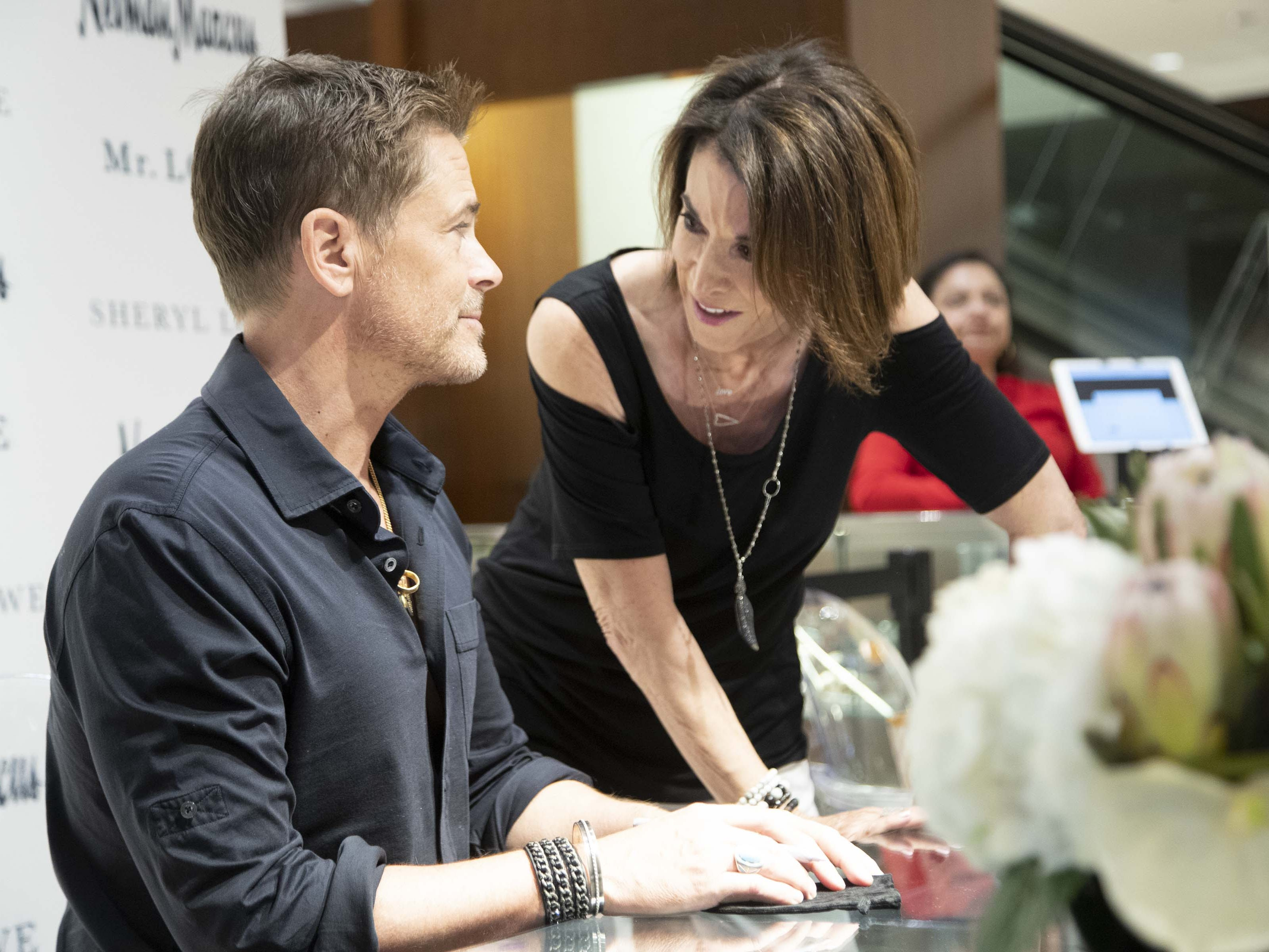 Toni Dachis meets actor Rob Lowe during an event introducing his new men's jewelry collection at Scottsdale Fashion Square on March 28, 2019.
