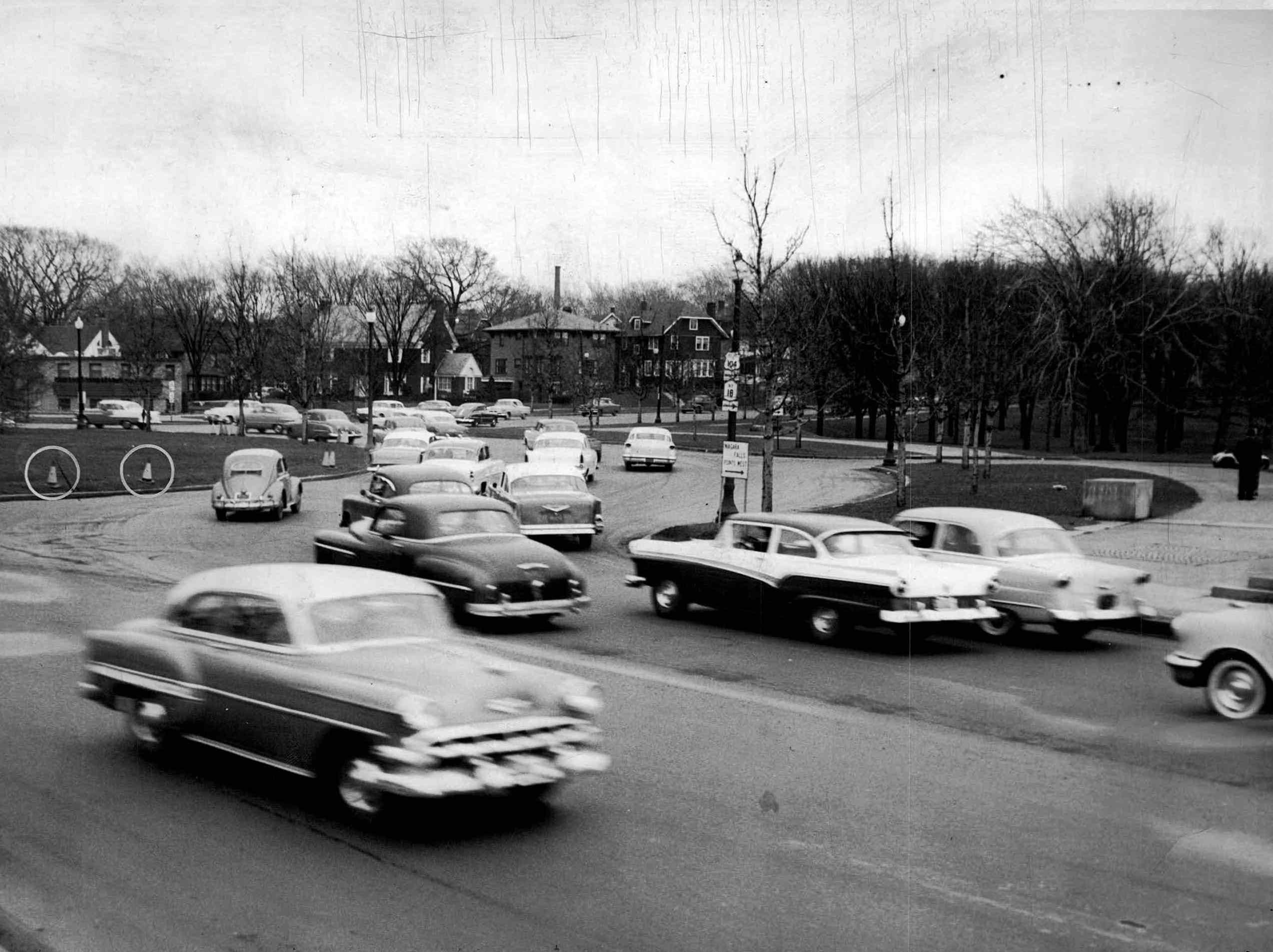 This 1957 photos shows the Veterans Memorial Bridge traffic circle.
