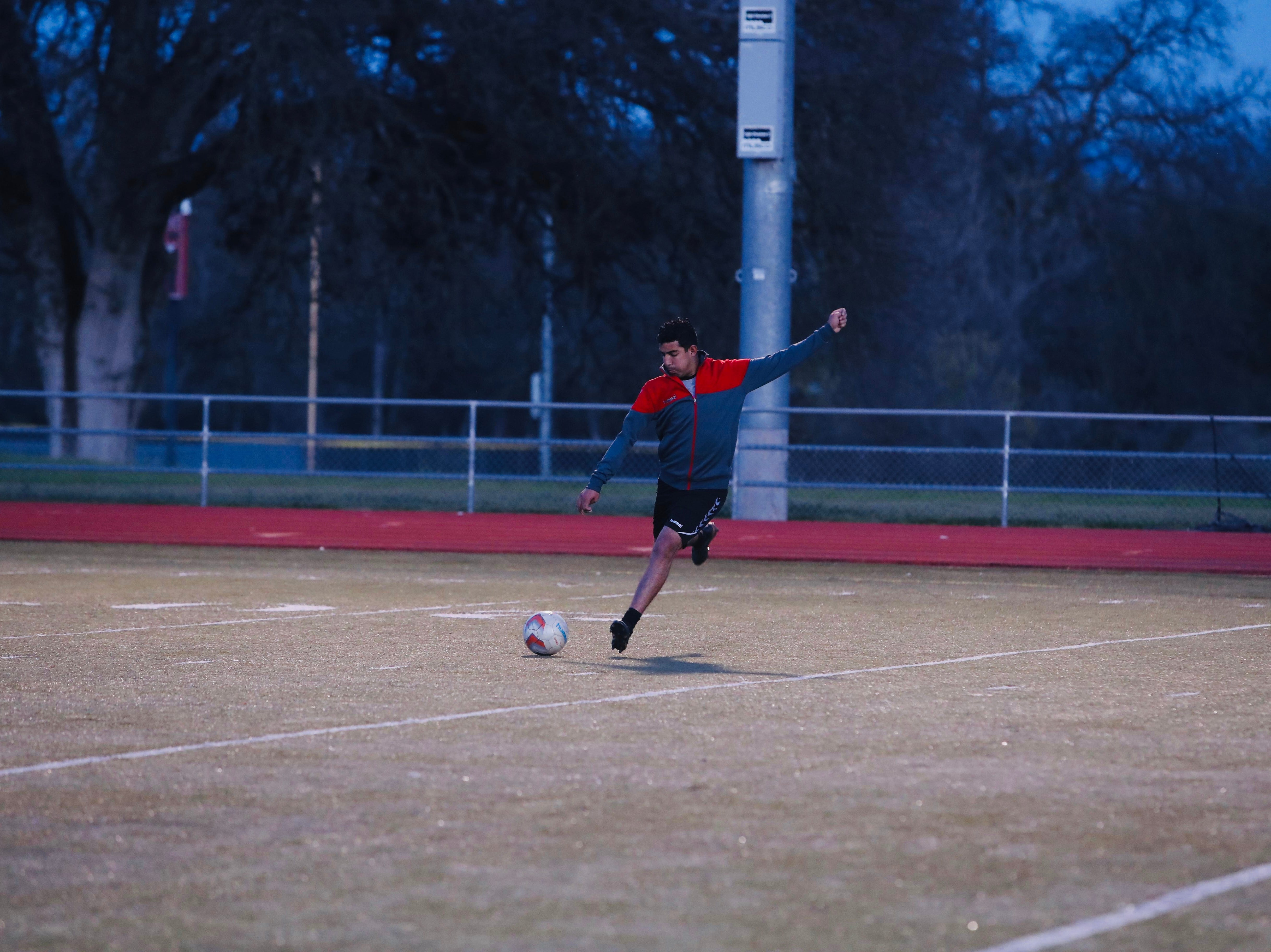 Dani Gonzalez and other players with Redding Royals F.C. practice at Foothill High on Thursday, March 21.