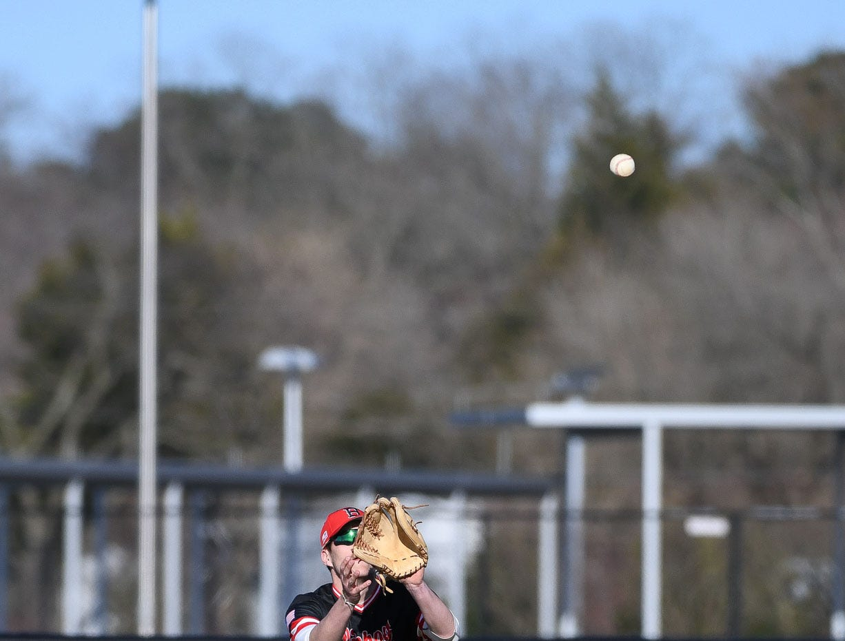 Bennett's Hunter Smith makes the catch against Stephen Decatur on Thursday, March 28, 2019 in Salisbury, Md.