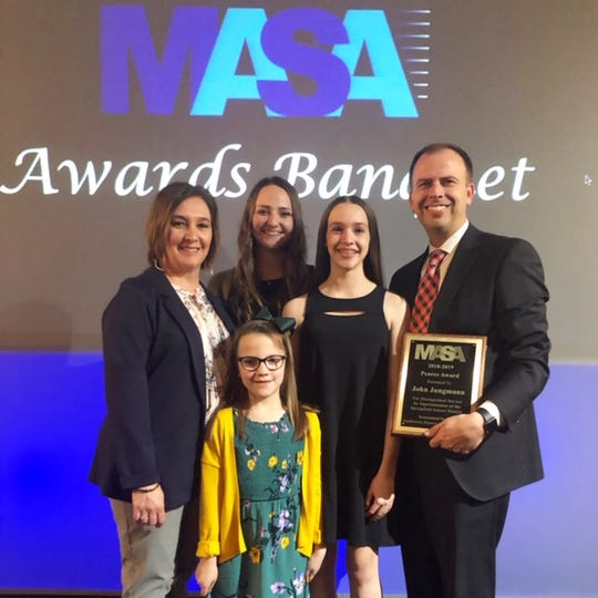 Springfield Superintendent John Jungmann with wife, Kerry, and their daughters, Halle, Macie and Jolie.