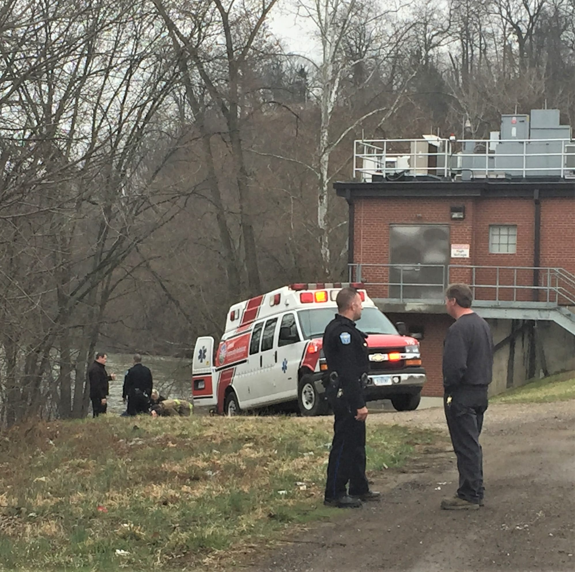 Woman injured after jumping from Y Bridge