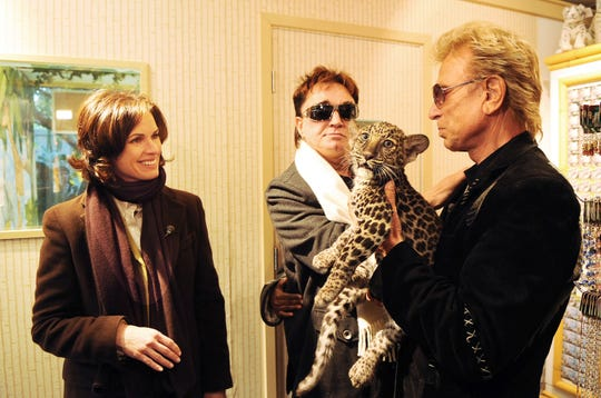 """Siegfried & Roy made one final Las Vegas appearance in 2009, later televised as part of a """"20/20"""" special hosted by Elizabeth Vargas. They performed an illusion in which Horn revealed that a white tiger had replaced Fischbacher. Their manager said the animal was Mantacore, the tiger that had mauled Horn."""