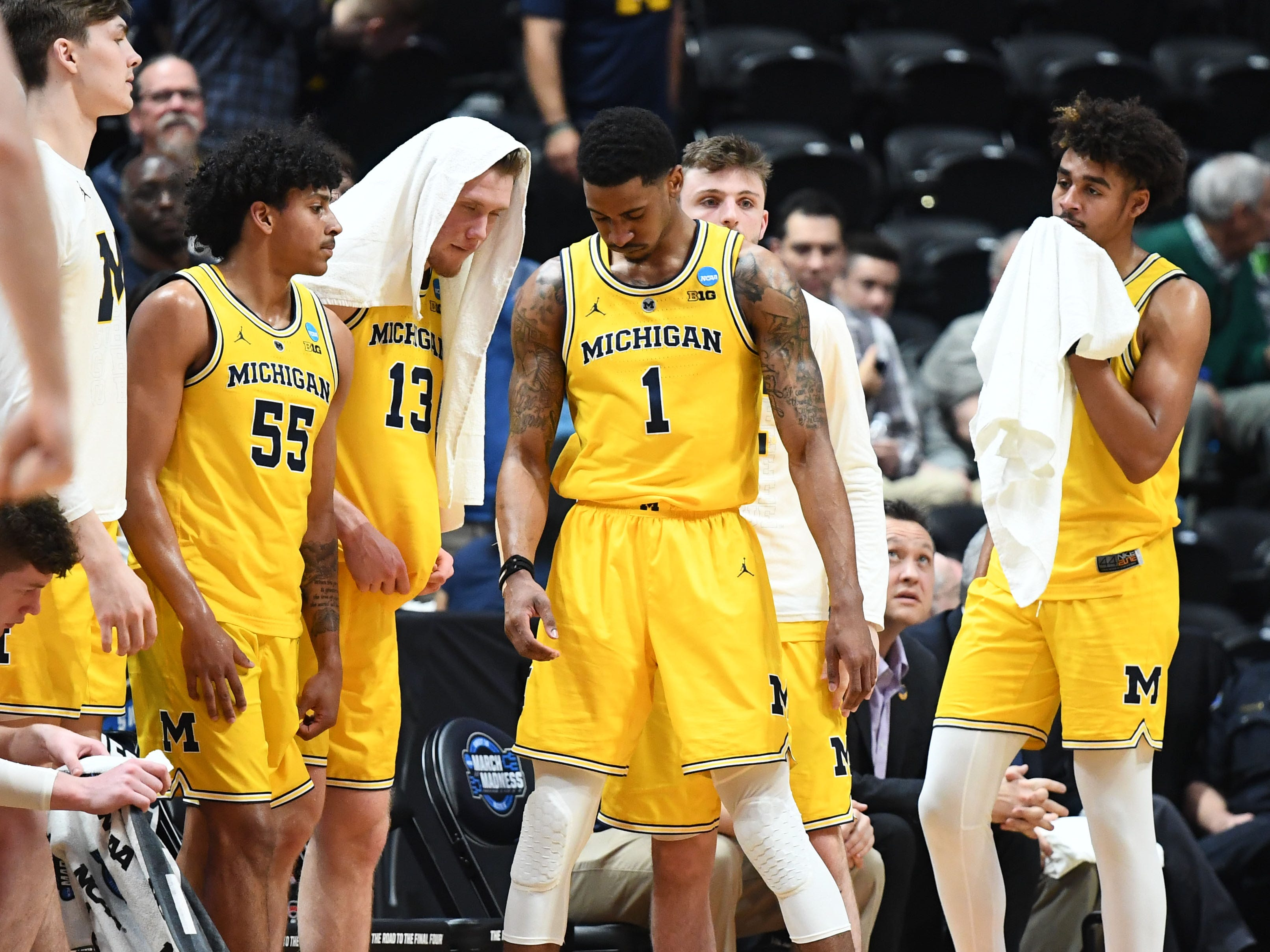 Sweet 16: No. 2 Michigan loses to No. 3 Texas Tech, 63-44.