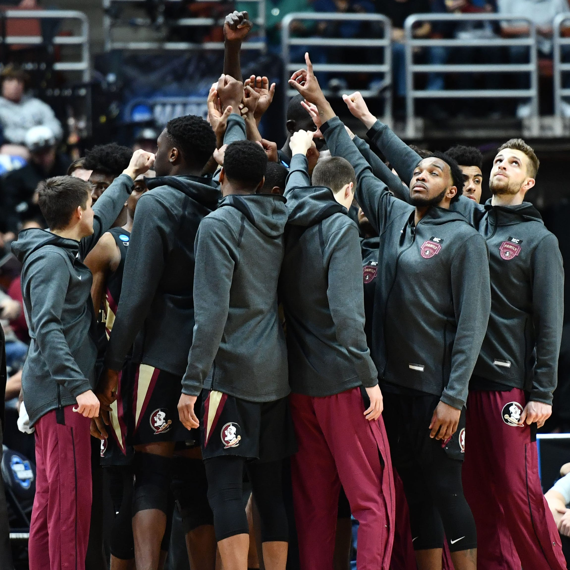 Florida State players gather before playing against Gonzaga.