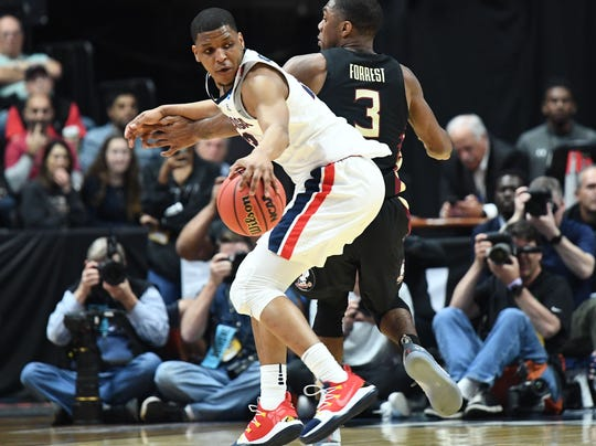 Gonzaga guard Zach Norvell Jr. dribbles the ball against Florida State during the Sweet 16 of the 2019 NCAA tournament.