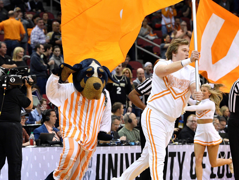 Sweet 16: Tennessee Volunteers cheerleaders and mascot perform before the game against the Purdue Boilermakers.