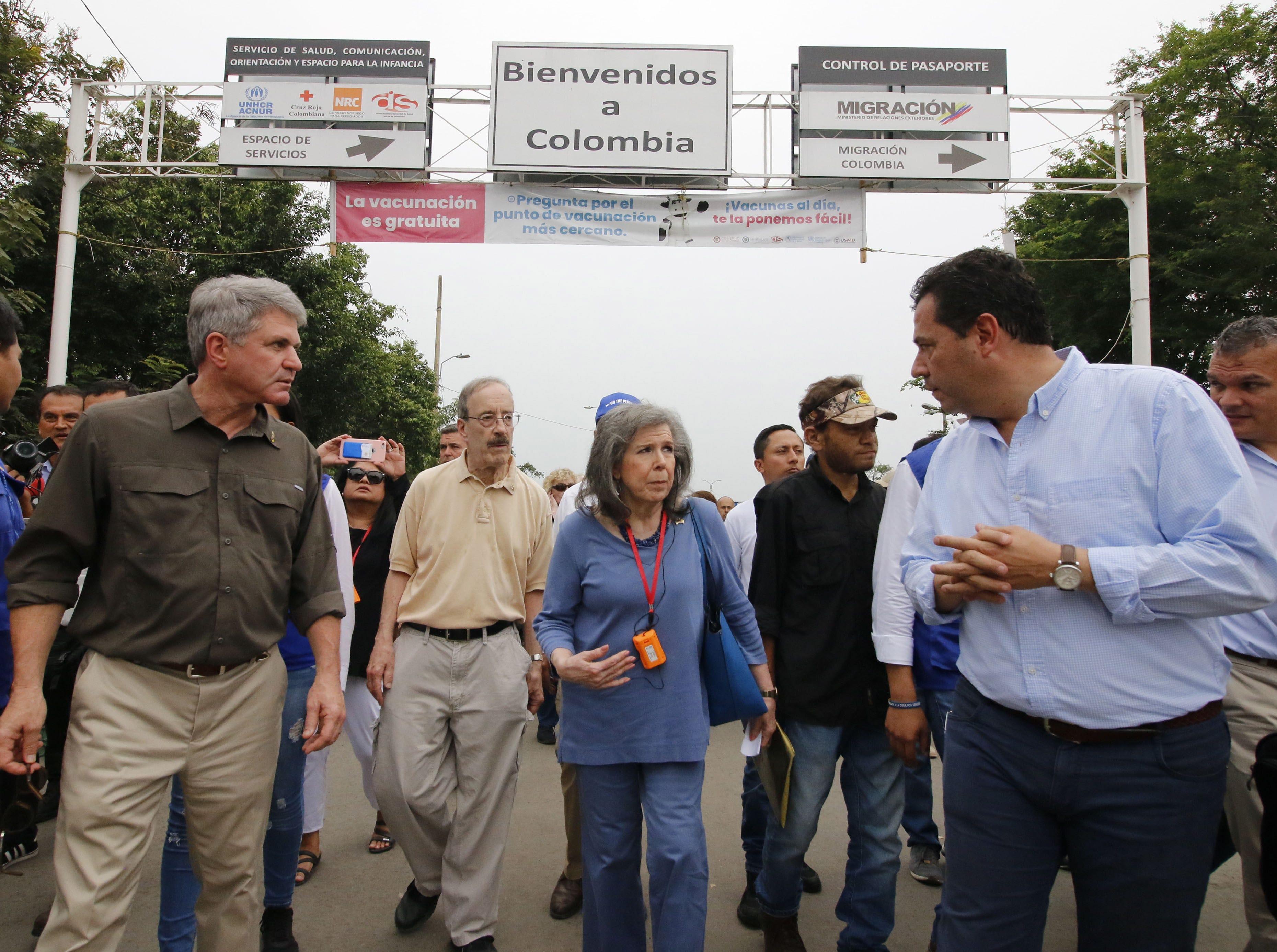 US Senators Michael McCaul, left and Eliot Engel, 2nd left, participate in a visit of several US senators to the Simon Bolivar international bridge, on the border between Venezuela and Cucuta, Colombia on March 29, 2019.