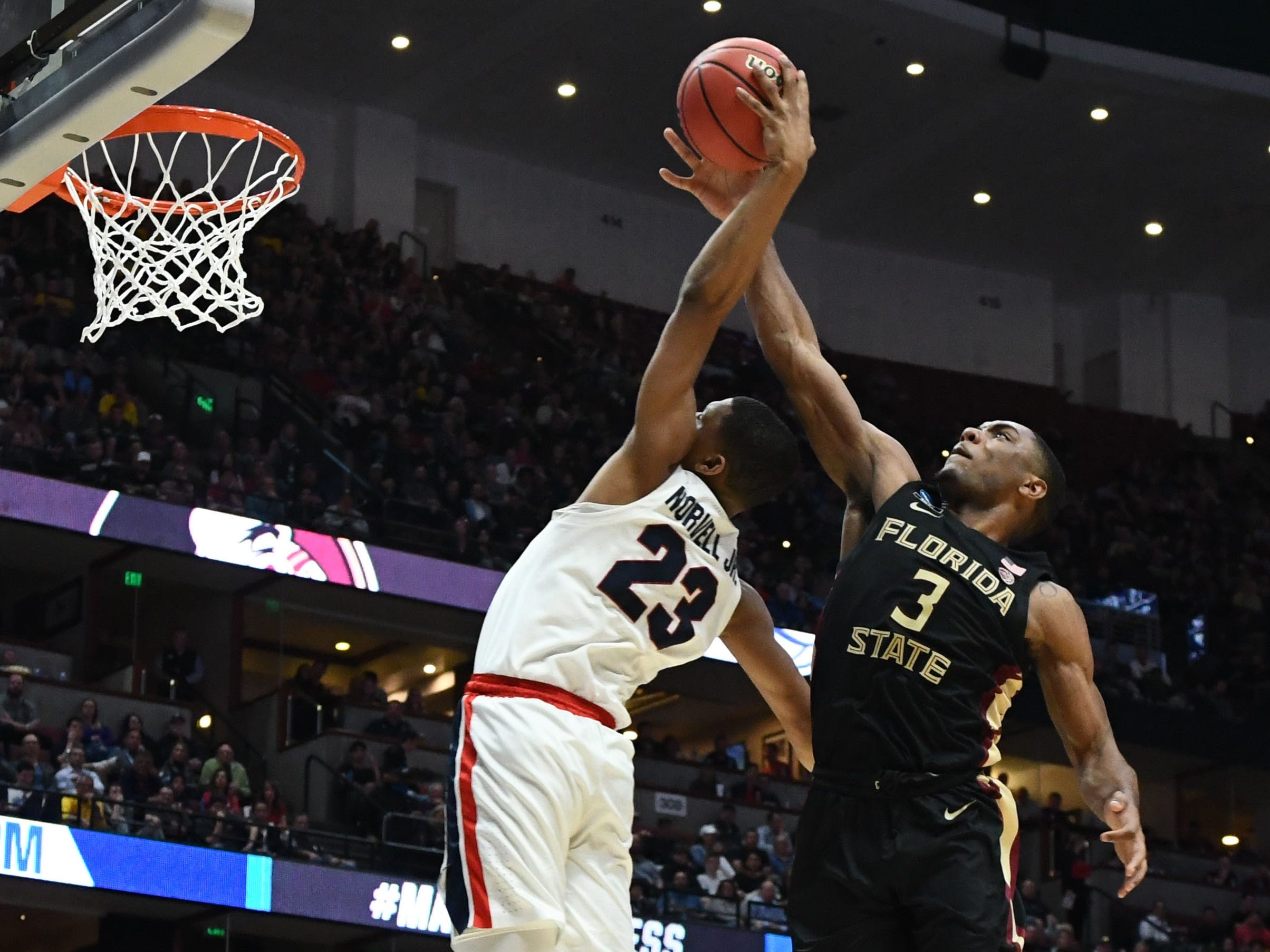 Sweet 16: Florida State Seminoles guard Trent Forrest defends against Gonzaga Bulldogs guard Zach Norvell.