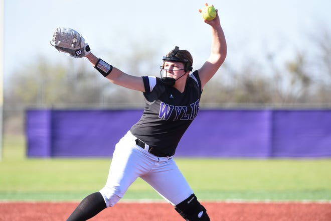Wylie pitcher Kaylee Philipp (3) goes through her motion against Cooper on Friday, March 29, 2019. Philipp allowed three earned runs on five hits with 10 strikeouts in seven innings, picking up the 6-5 win.
