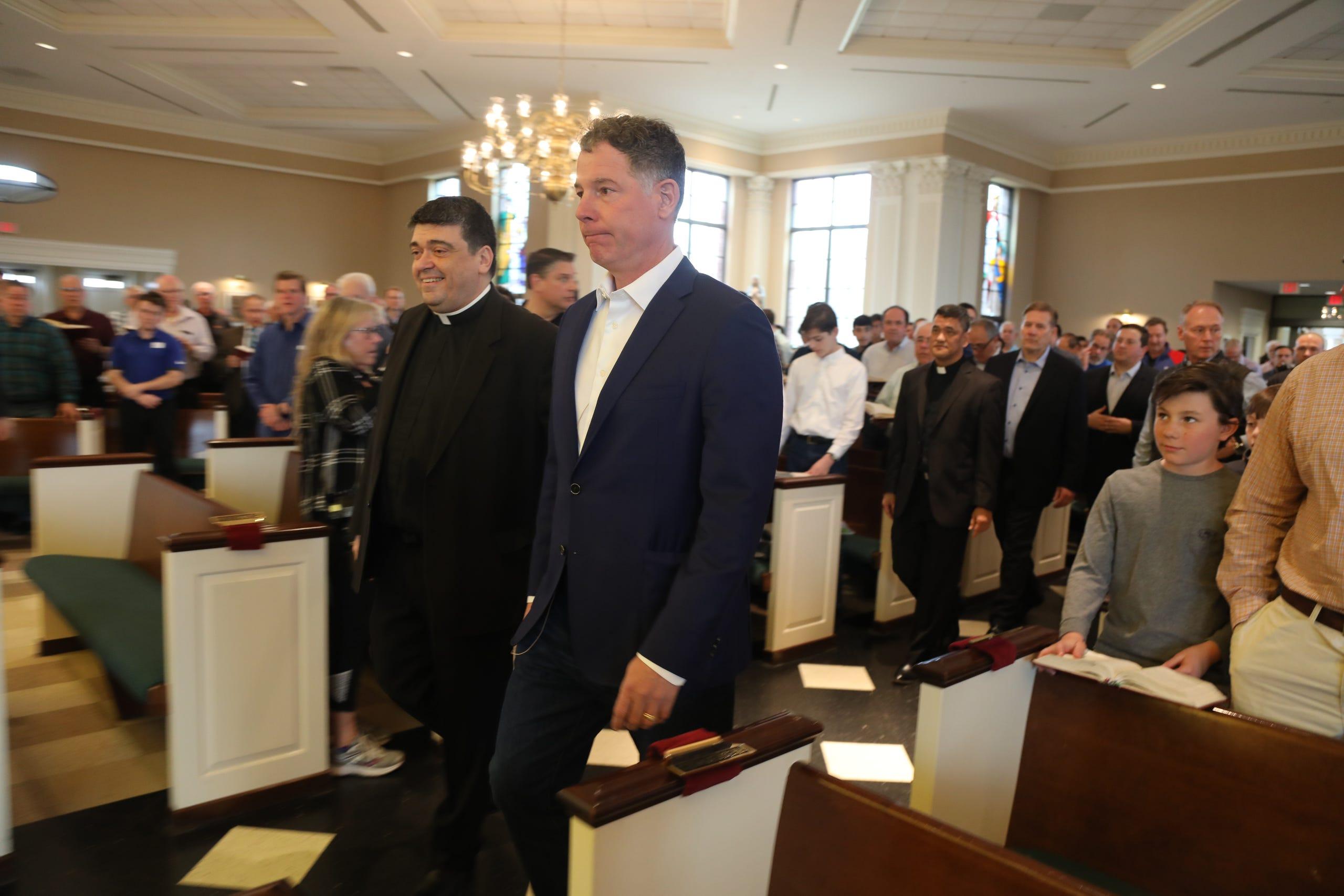 Ny Giants Coach Pat Shurmur Speaks At St James Church
