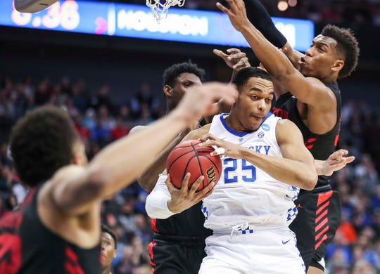 Kentucky's PJ Washington grabbed a rebound over Houston in the second half of the Sweet Sixteen game. March 29, 2019
