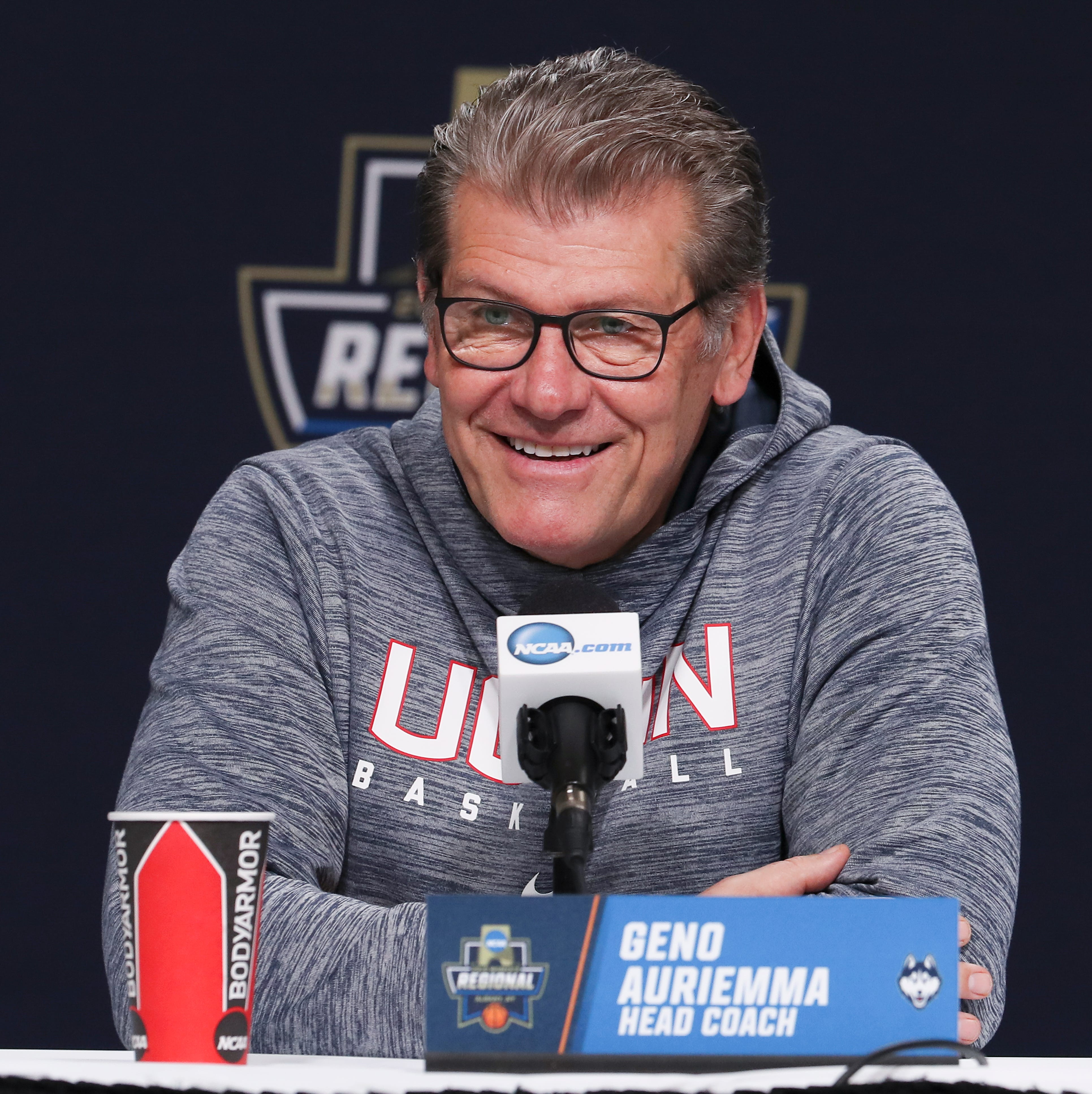 Geno Auriemma on Jeff Walz: 'He's still the coach at Louisville. I read that, too'