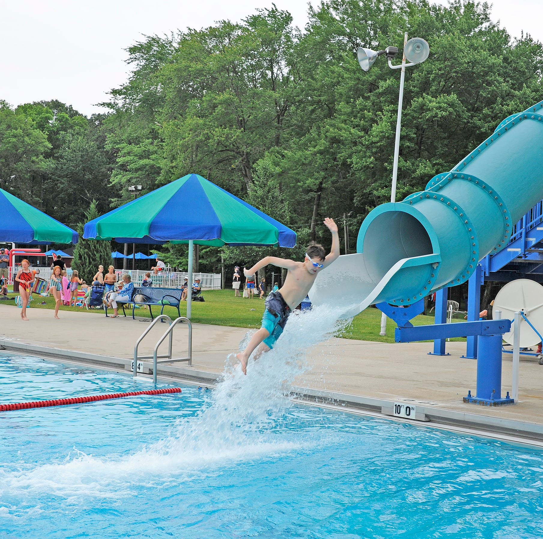 Should Glen Rock open its pool membership to non-residents? Petitioners say no