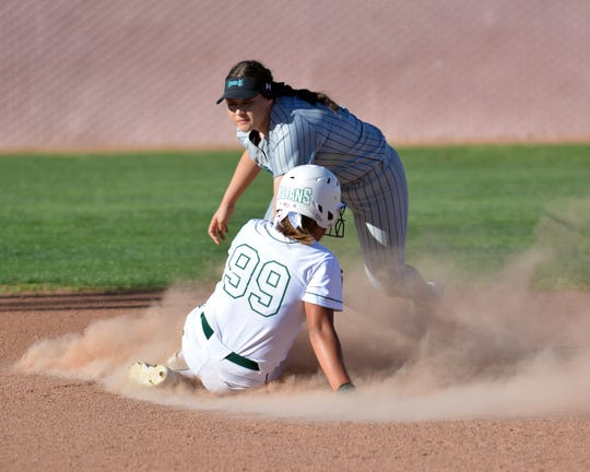 Mayfield and Oñate split a District 3-5A doubleheader on Friday night.