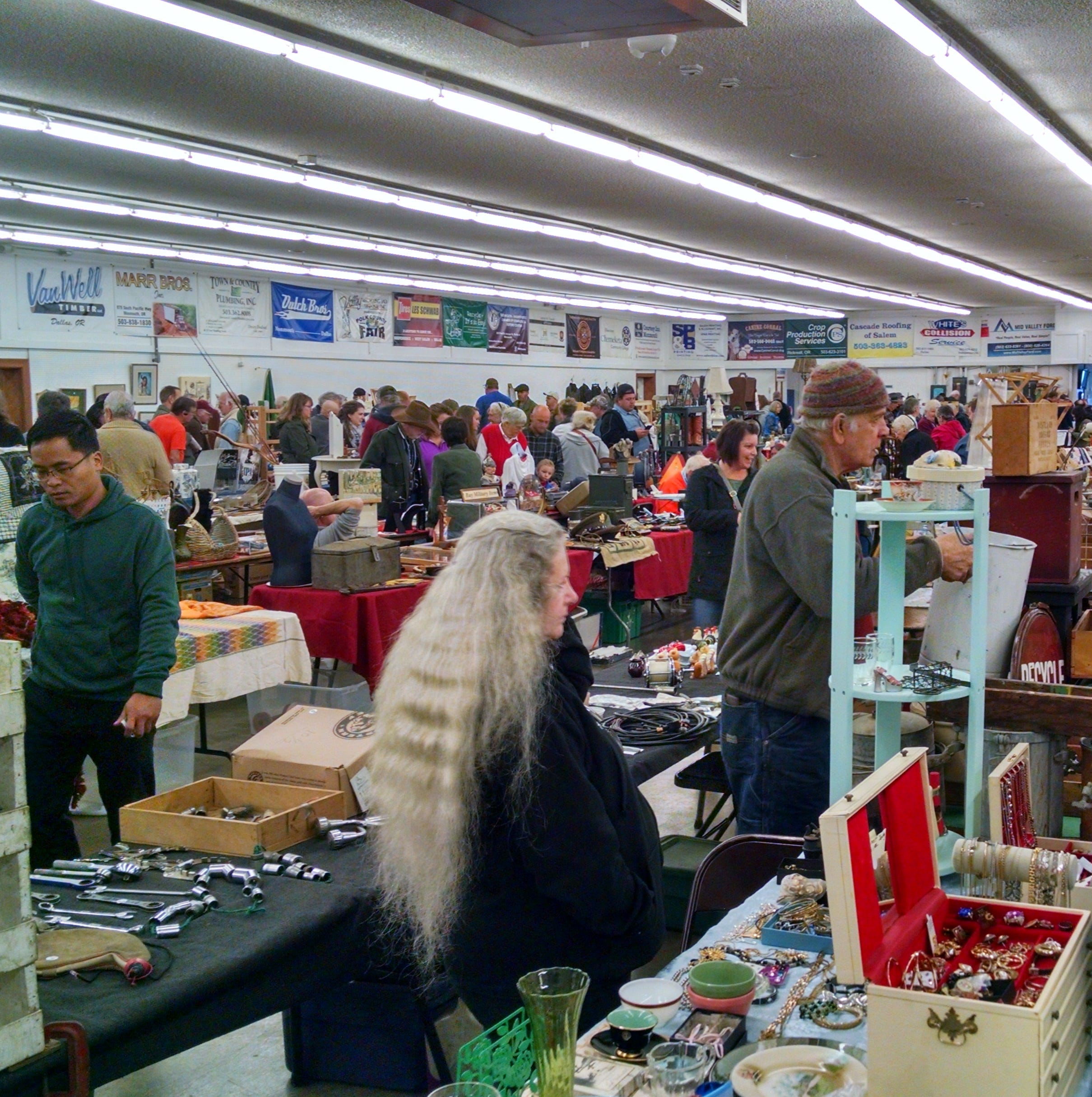 One of Oregon's longest-running flea markets to expand by 80 vendors, opens on April 7