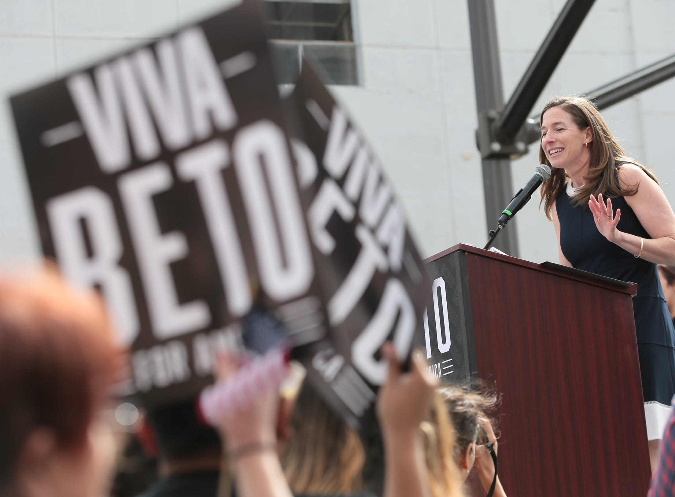 Amy Sanders O'Rourke introduces her husband Beto O'Rourke as he officially kicks off his presidential campaign Saturday on El Paso Street in downtown El Paso.
