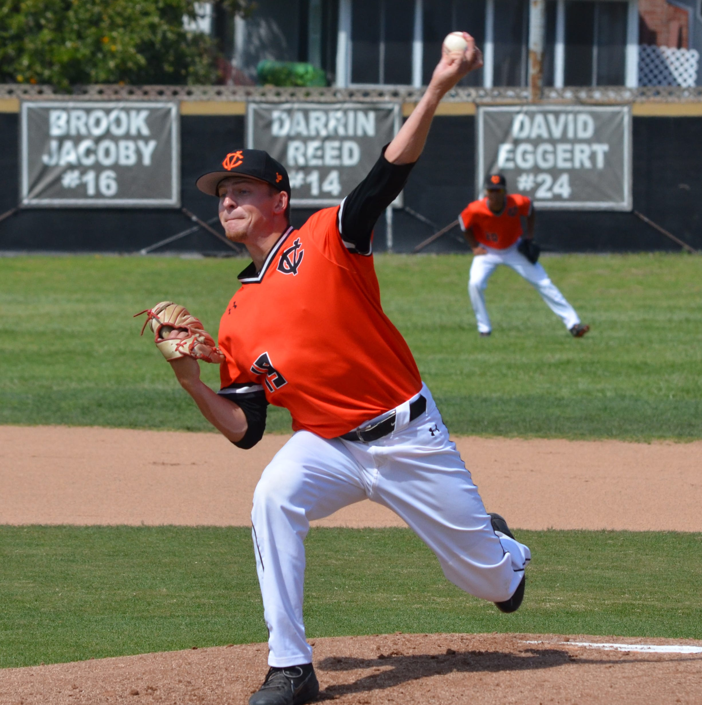 Community college notebook: Ventura baseball pulls into first-place tie