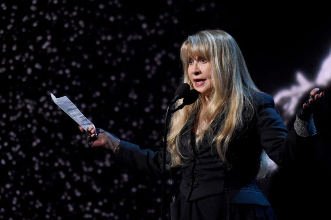 NEW YORK, NEW YORK - MARCH 29: Inductee Stevie Nicks speaks onstage at the 2019 Rock & Roll Hall Of Fame Induction Ceremony - Show at Barclays Center on March 29, 2019 in New York City. (Photo by Jamie McCarthy/Getty Images For The Rock and Roll Hall of Fame) ORG XMIT: 775320663 ORIG FILE ID: 1139176405