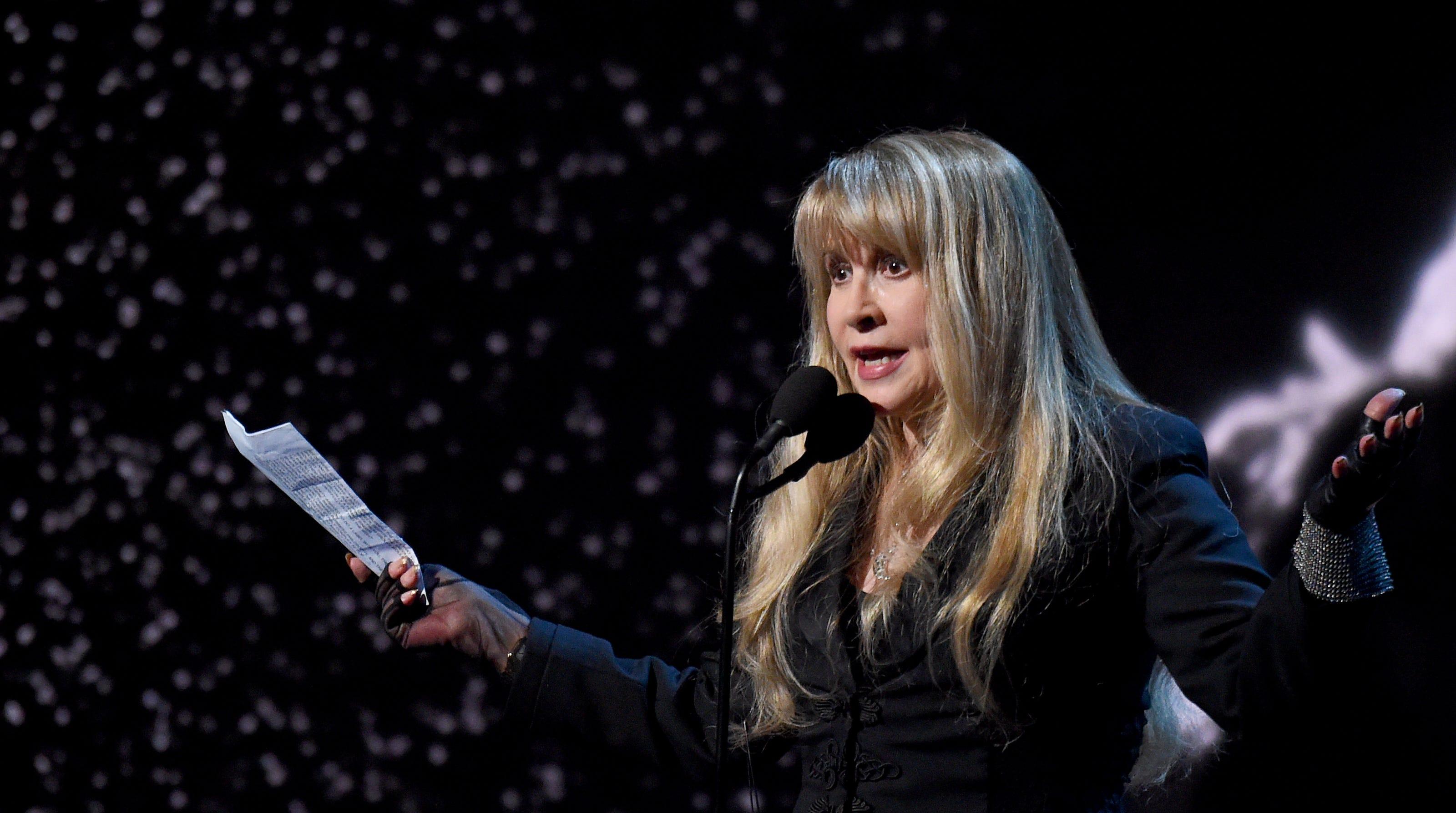 Stevie Nicks Sings In Tiktok Debut With Viral Dreams Video