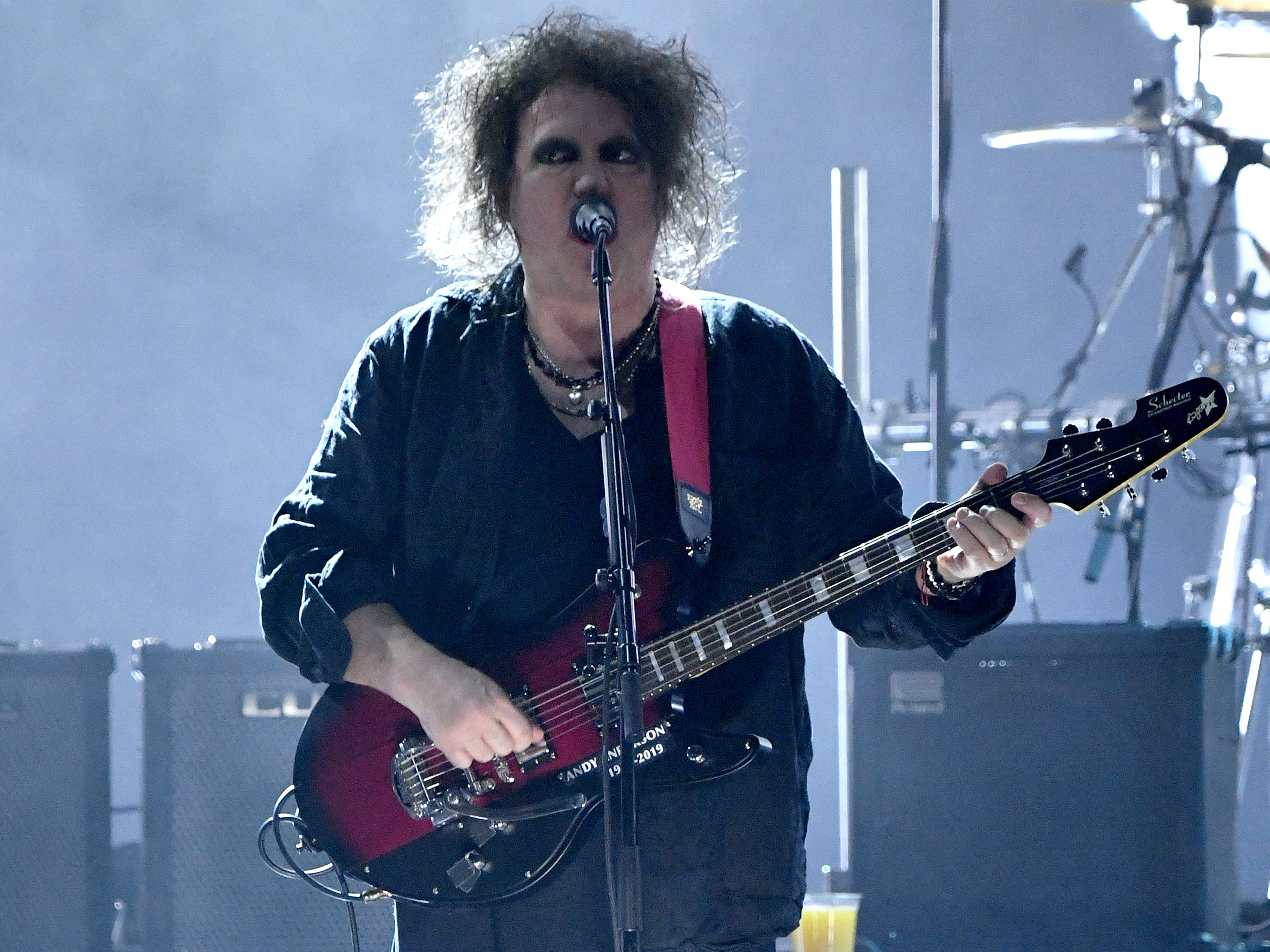 "Robert Smith of The Cure performs a five-song set including ""Boys Don't Cry"" and ""Just Like Heaven."""