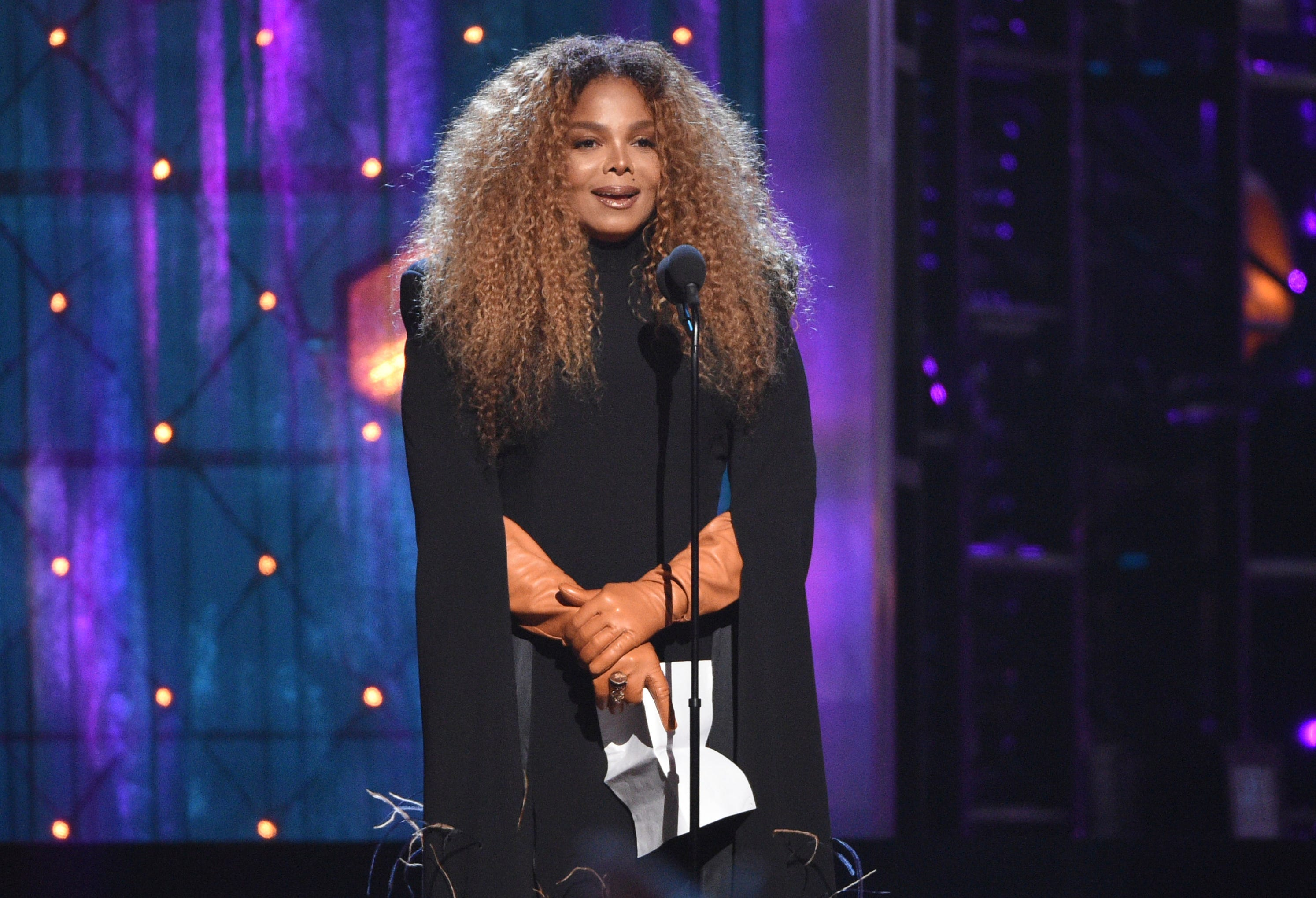 Janet Jackson dedicates Rock Hall honor to 2-year-old son: 'You are my life'