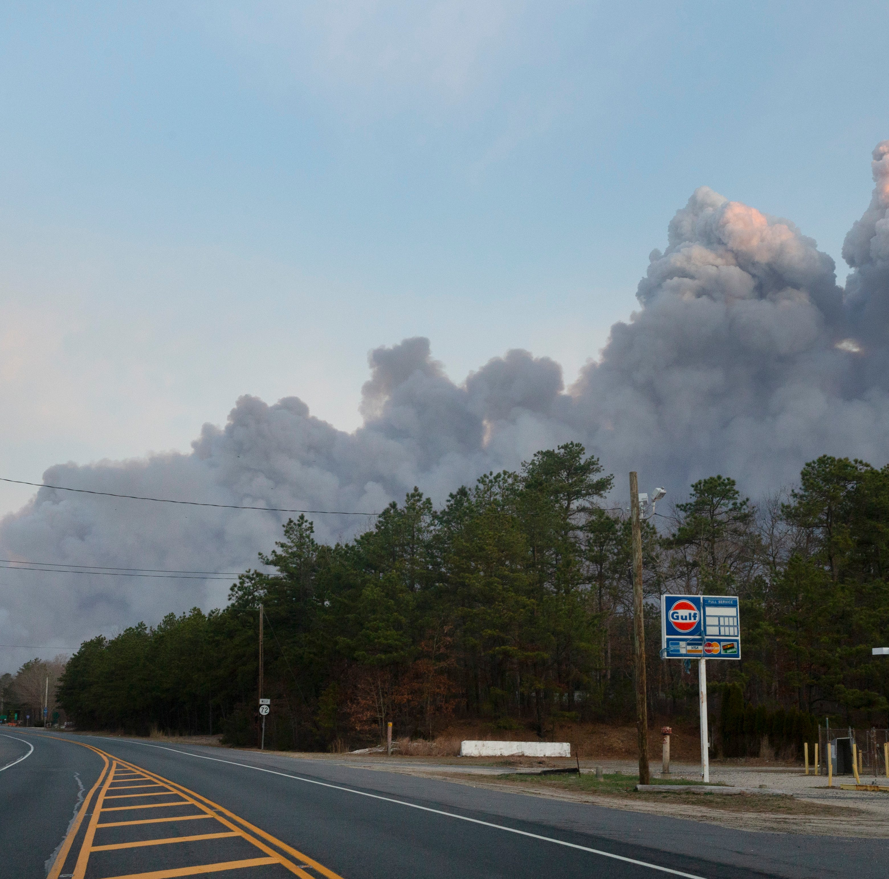 NJ forest fire: Route 72 in Barnegat still closed, 8,000 acres burning