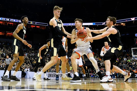 A Purdue ban on staff, faculty, students and contractors from wagering on games featuring the Boilers will mean the end to campus March Madness pools that have entry fees, according to the policy put into place Oct. 18, 2019.