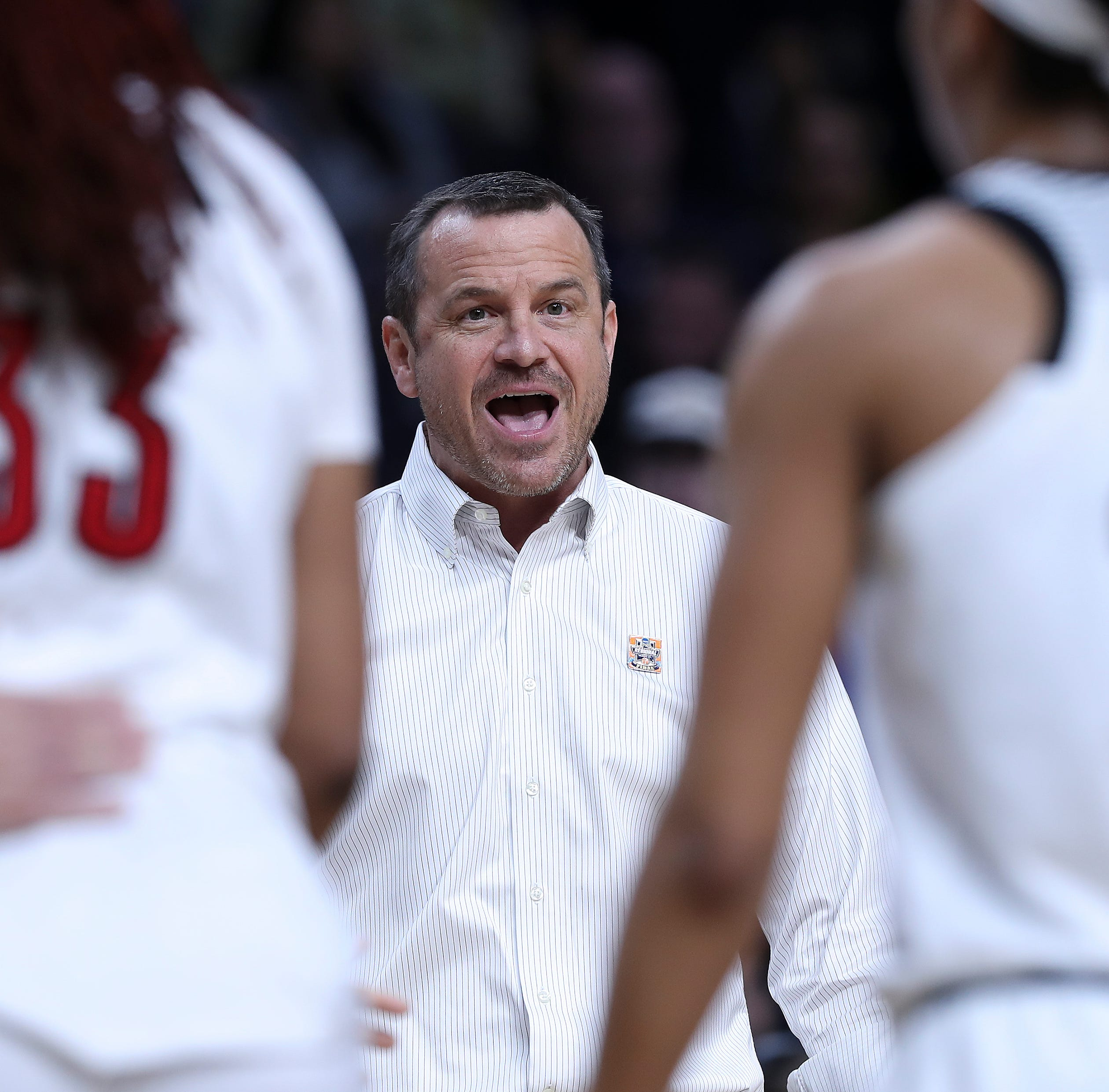 Jeff Walz adds 3 transfer players to Louisville women's basketball roster