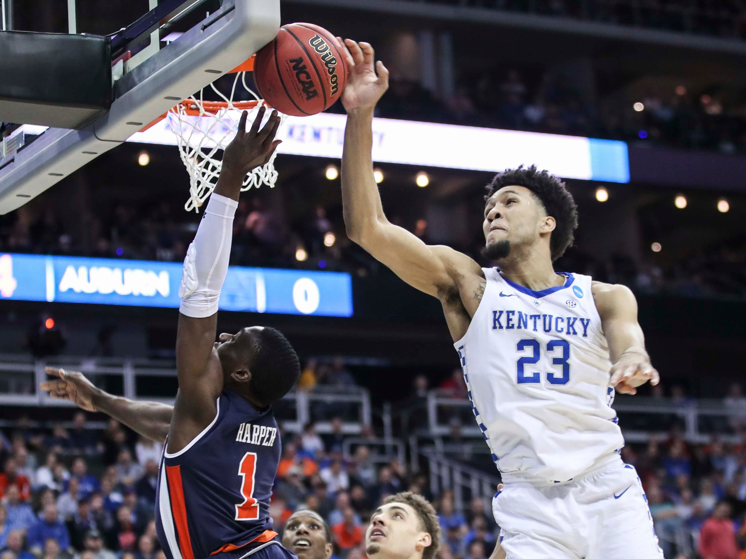 Kentucky's EJ Montgomery has this block early in the first half against Auburn Sunday aftermnoon in the Elite Eight. March 31, 2019