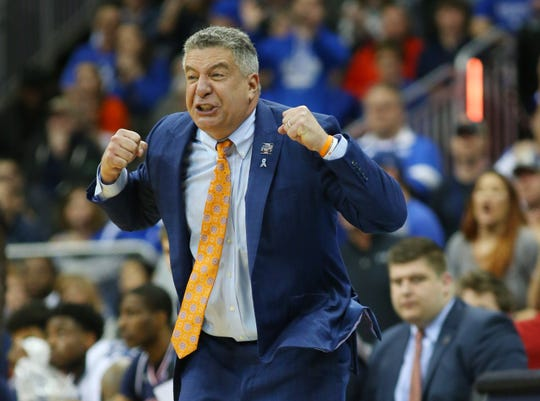 Auburn Tigers head coach Bruce Pearl reacts against the Kentucky Wildcats during the second half in the championship game of the midwest regional of the 2019 NCAA Tournament at Sprint Center