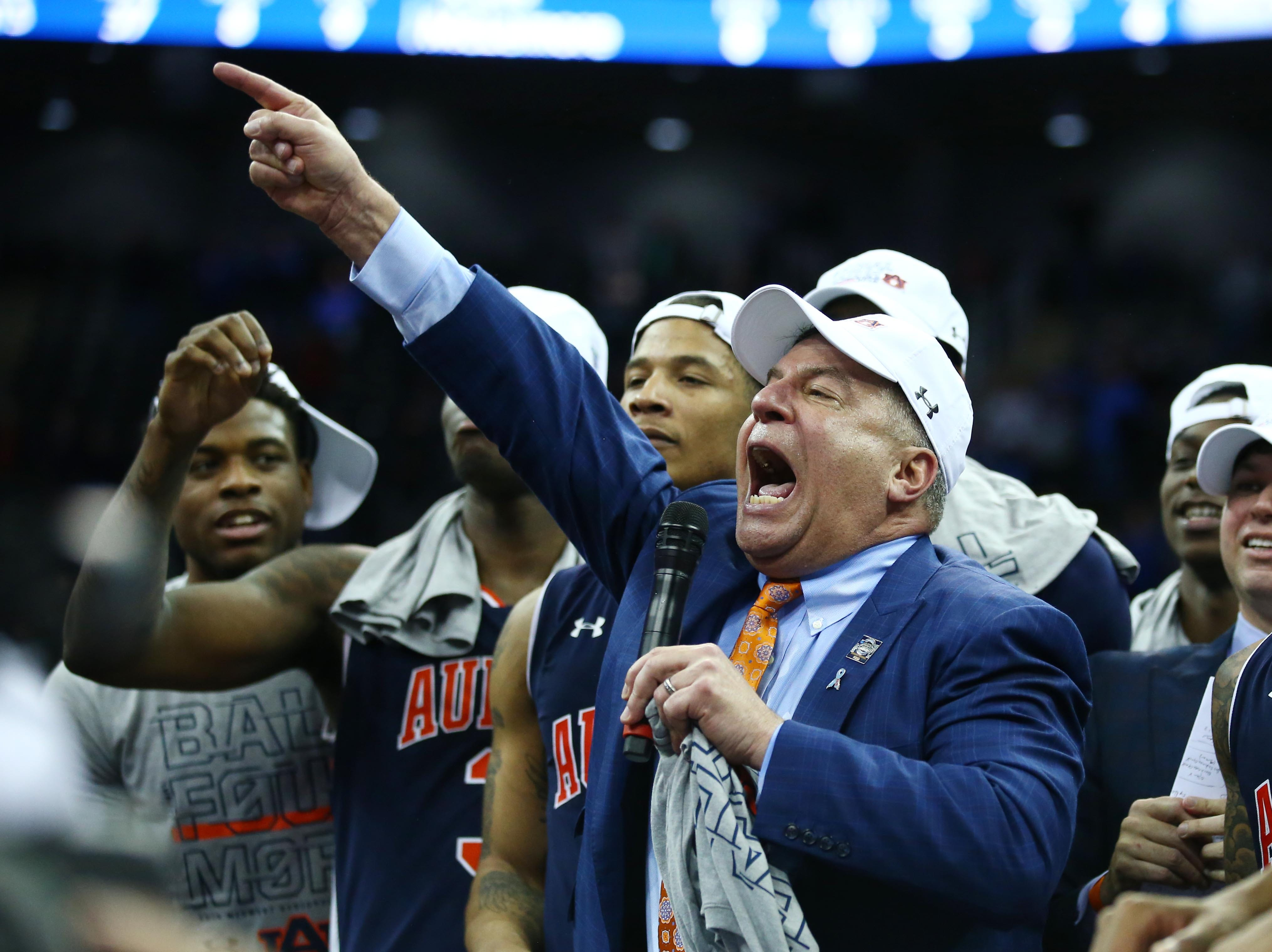Mar 31, 2019; Kansas City, MO, United States; Auburn Tigers head coach Bruce Pearl speaks to the crowd after defeating the Kentucky Wildcats in the championship game of the midwest regional of the 2019 NCAA Tournament at Sprint Center. Mandatory Credit: Jay Biggerstaff-USA TODAY Sports