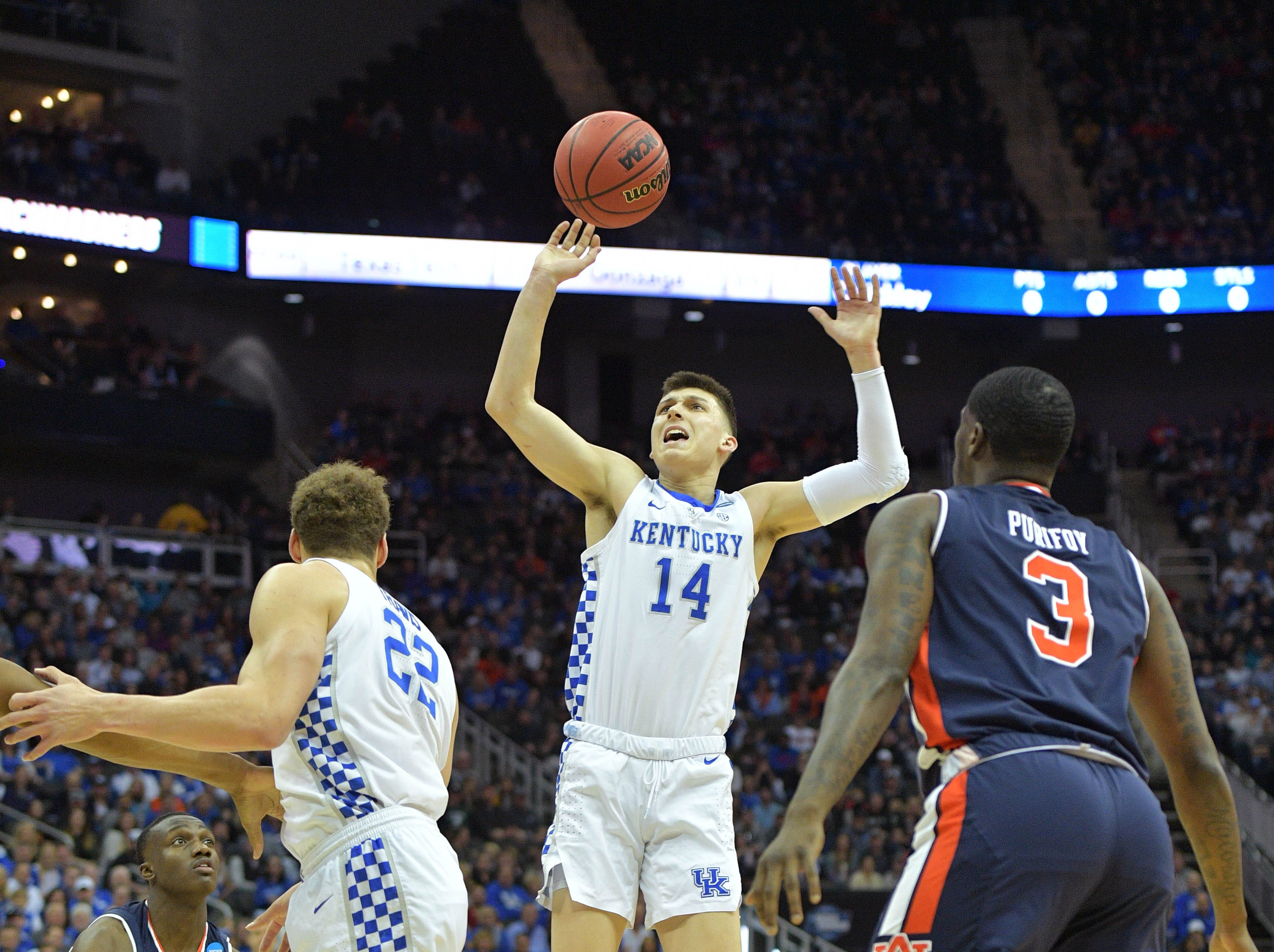 Mar 31, 2019; Kansas City, MO, United States; Kentucky Wildcats guard Tyler Herro (14) loses his handle on the ball against the Auburn Tigers during the first half in the championship game of the midwest regional of the 2019 NCAA Tournament at Sprint Center. Mandatory Credit: Denny Medley-USA TODAY Sports