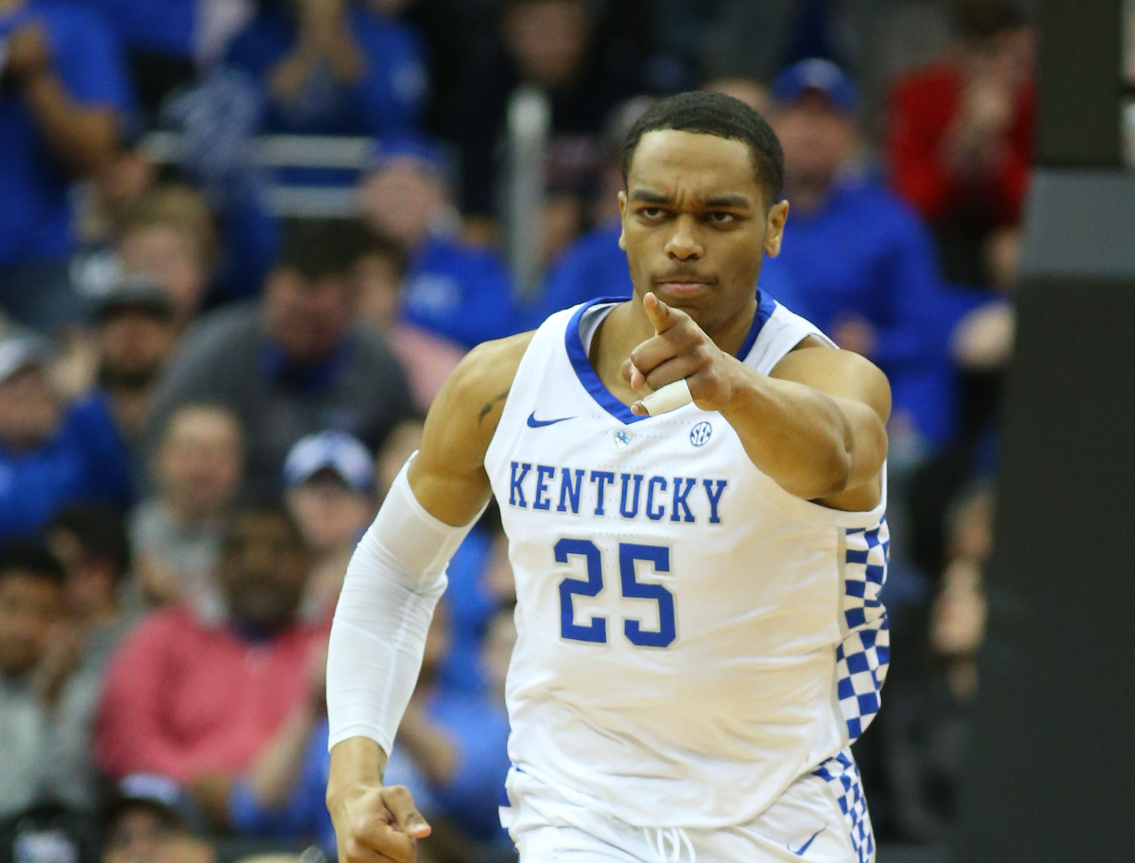 Mar 31, 2019; Kansas City, MO, United States; Kentucky Wildcats forward PJ Washington (25) after dunking the ball against the Auburn Tigers during the first half in the championship game of the midwest regional of the 2019 NCAA Tournament at Sprint Center. Mandatory Credit: Jay Biggerstaff-USA TODAY Sports