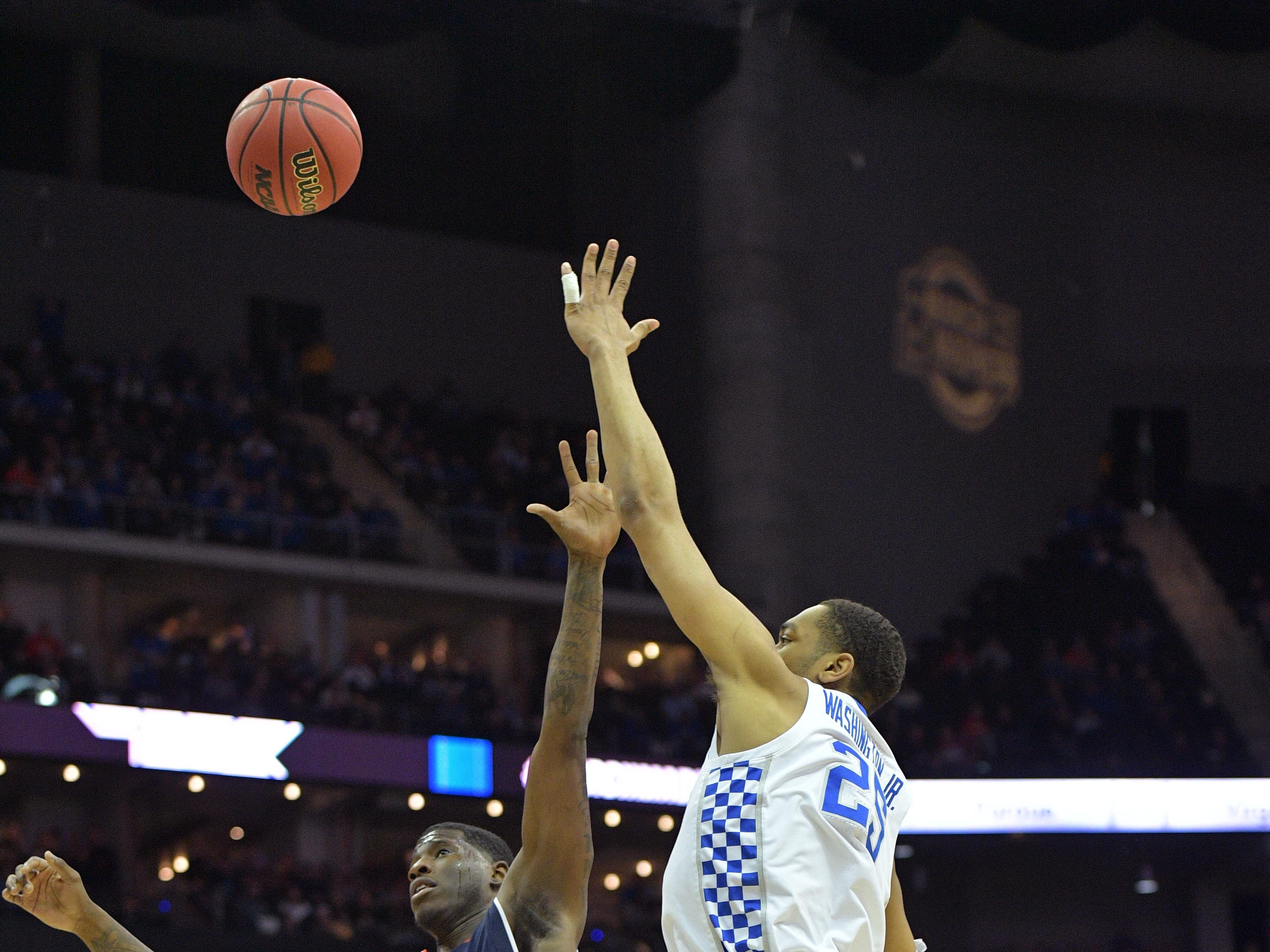 Mar 31, 2019; Kansas City, MO, United States; Kentucky Wildcats forward PJ Washington (25) shoots over Auburn Tigers forward Danjel Purifoy (3) during the first half in the championship game of the midwest regional of the 2019 NCAA Tournament at Sprint Center. Mandatory Credit: Denny Medley-USA TODAY Sports