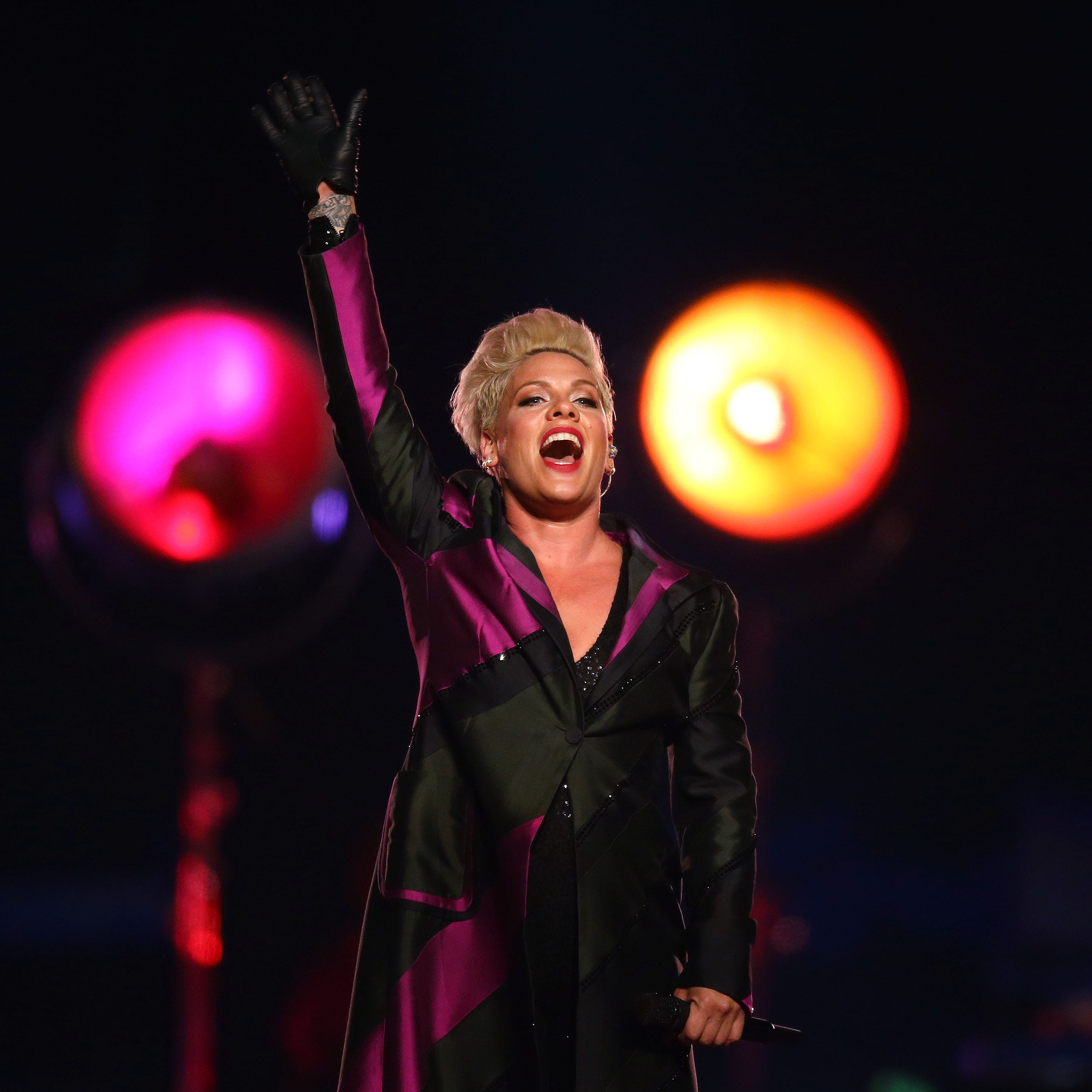 Pink soars as high as her breathtaking vocals in hit-filled Glendale concert