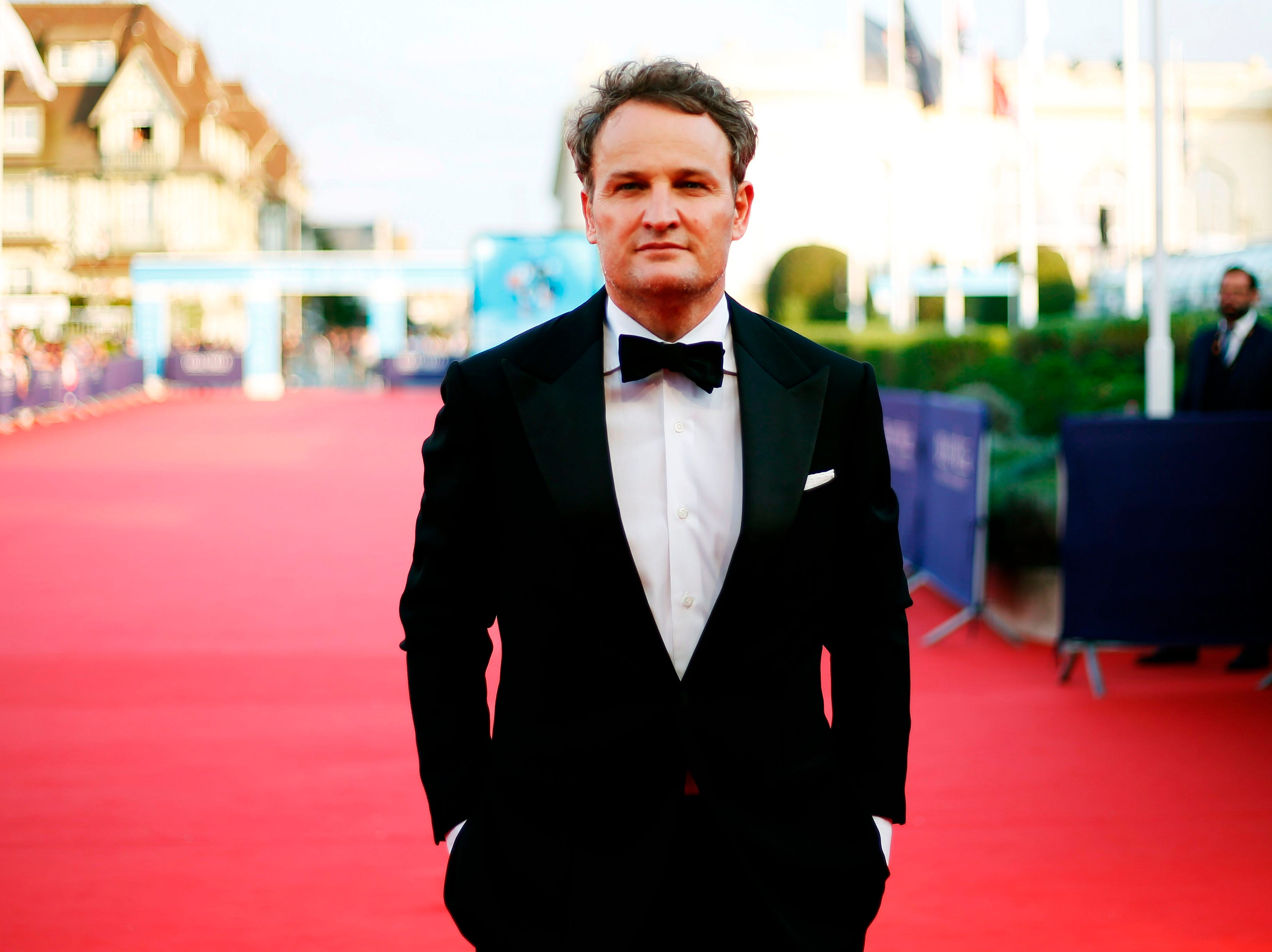 That's a movie star: Jason Clarke poses on the red carpet before the opening ceremony of the 44th Deauville US Film Festival on Aug. 31, 2018.