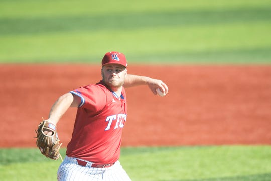 Senior starter Logan Bailey and Louisiana Tech scored a 5-2 Sunday triumph and a weekend sweep over UAB